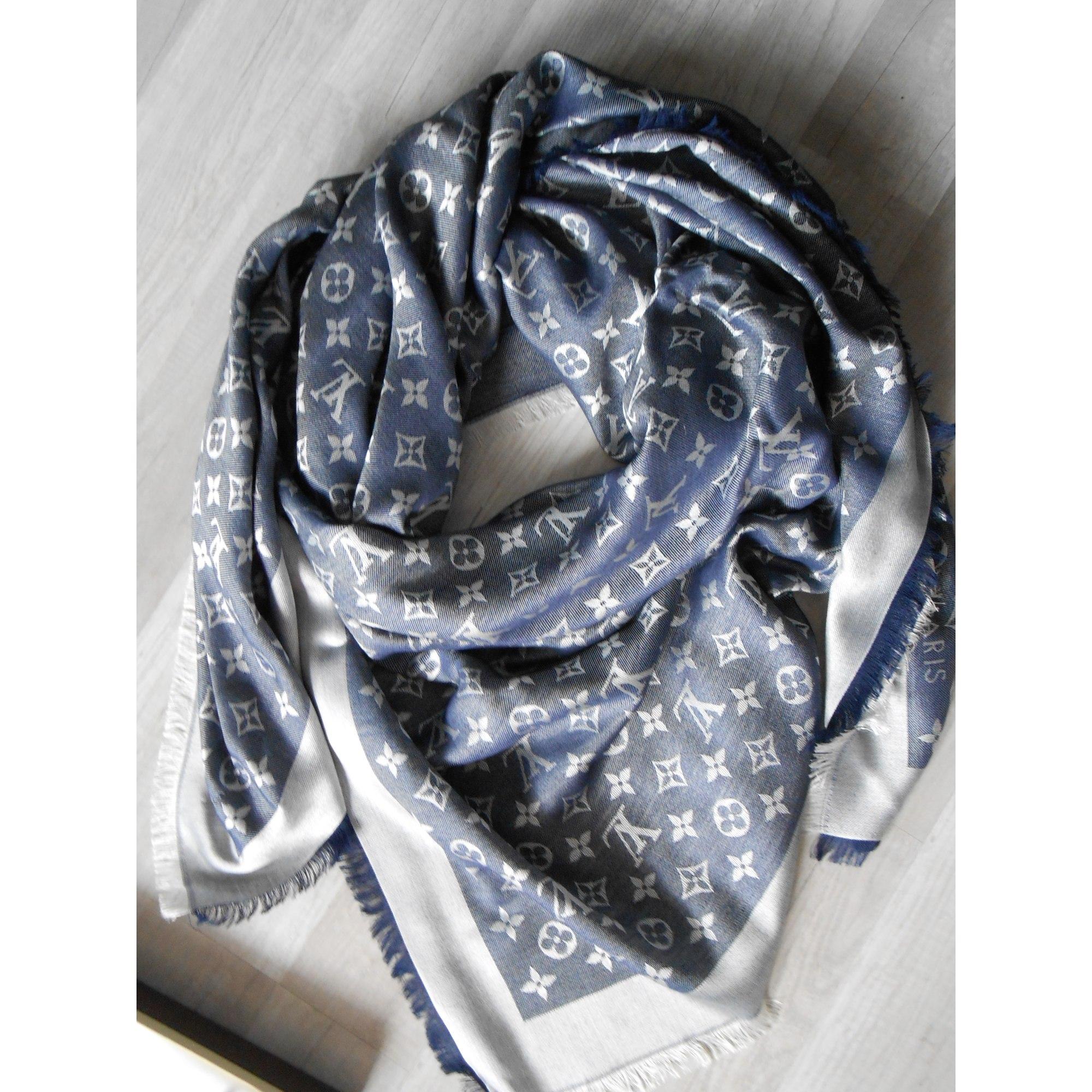 Châle LOUIS VUITTON Bleu, bleu marine, bleu turquoise c529ec65689