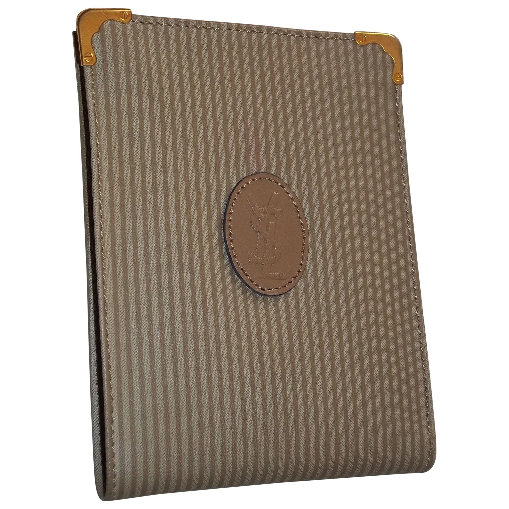 porte cartes yves saint laurent beige 3750605. Black Bedroom Furniture Sets. Home Design Ideas