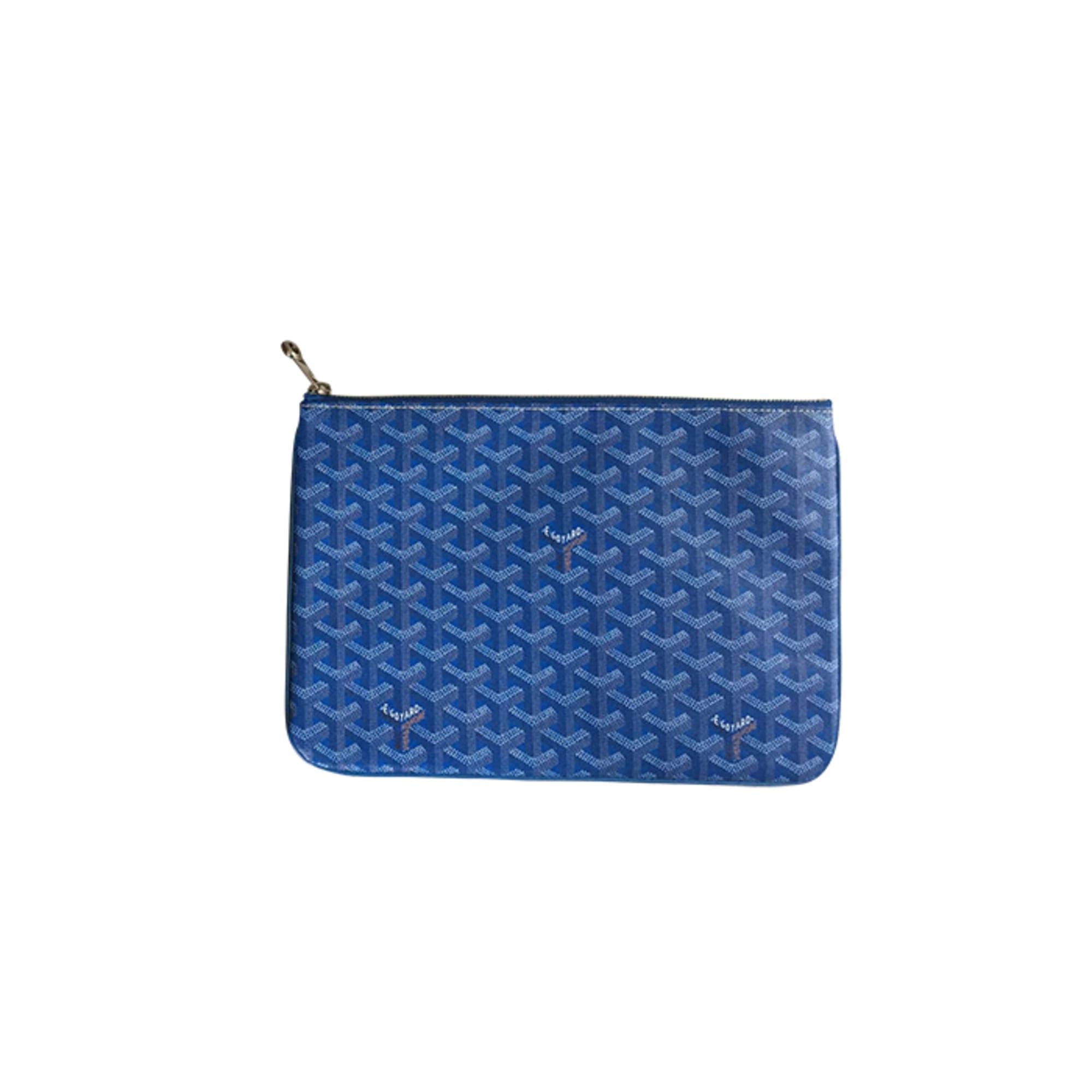 Bleu Par Vendu Dressing 3935840 Pochette Goyard Le Luxe Vide qgUt1P