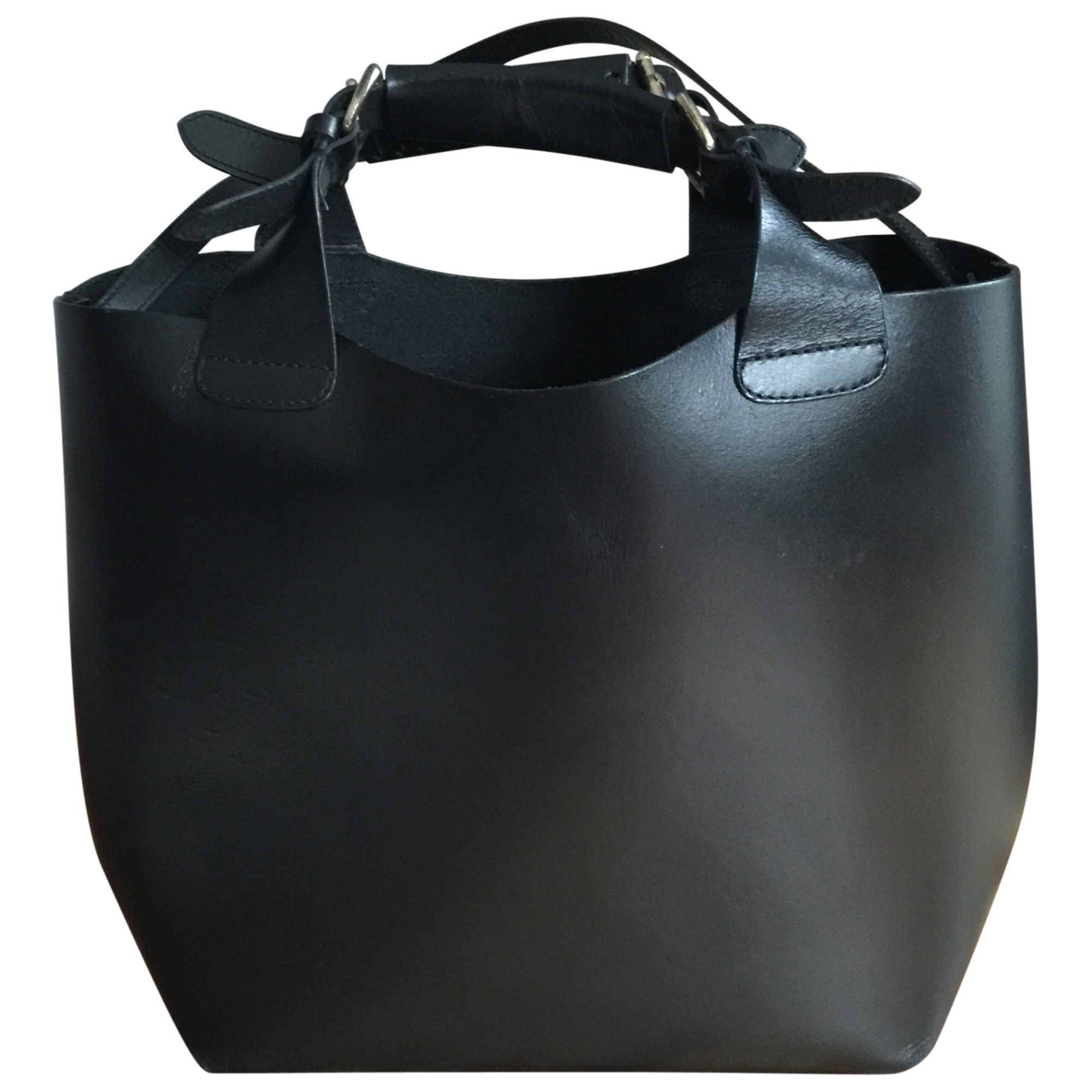 sac main en cuir zara noir vendu par manon0509 4114651. Black Bedroom Furniture Sets. Home Design Ideas