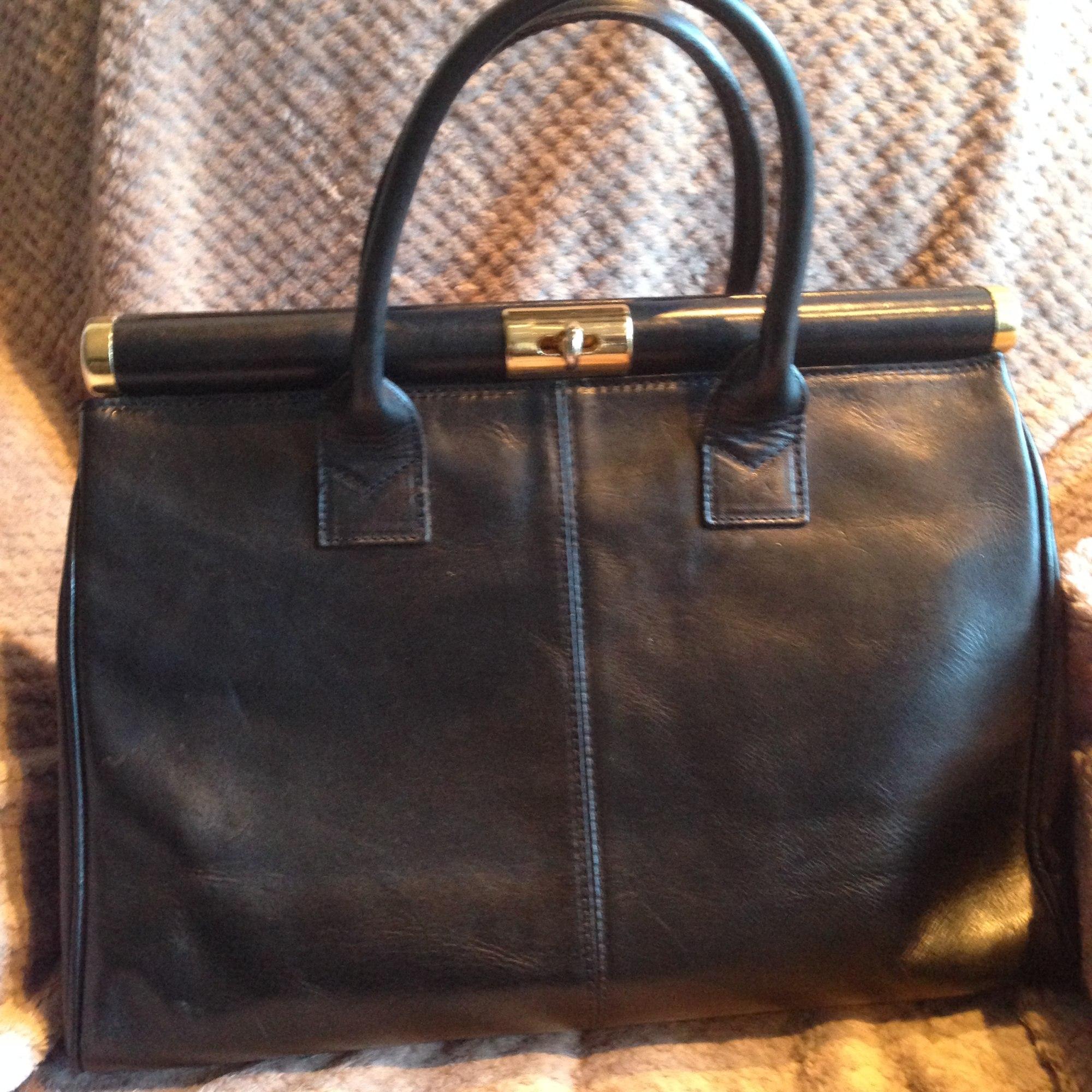 9dd85ba245 Sac à main en cuir CARLA BELOTTI noir vendu par Célia's place - 4463632