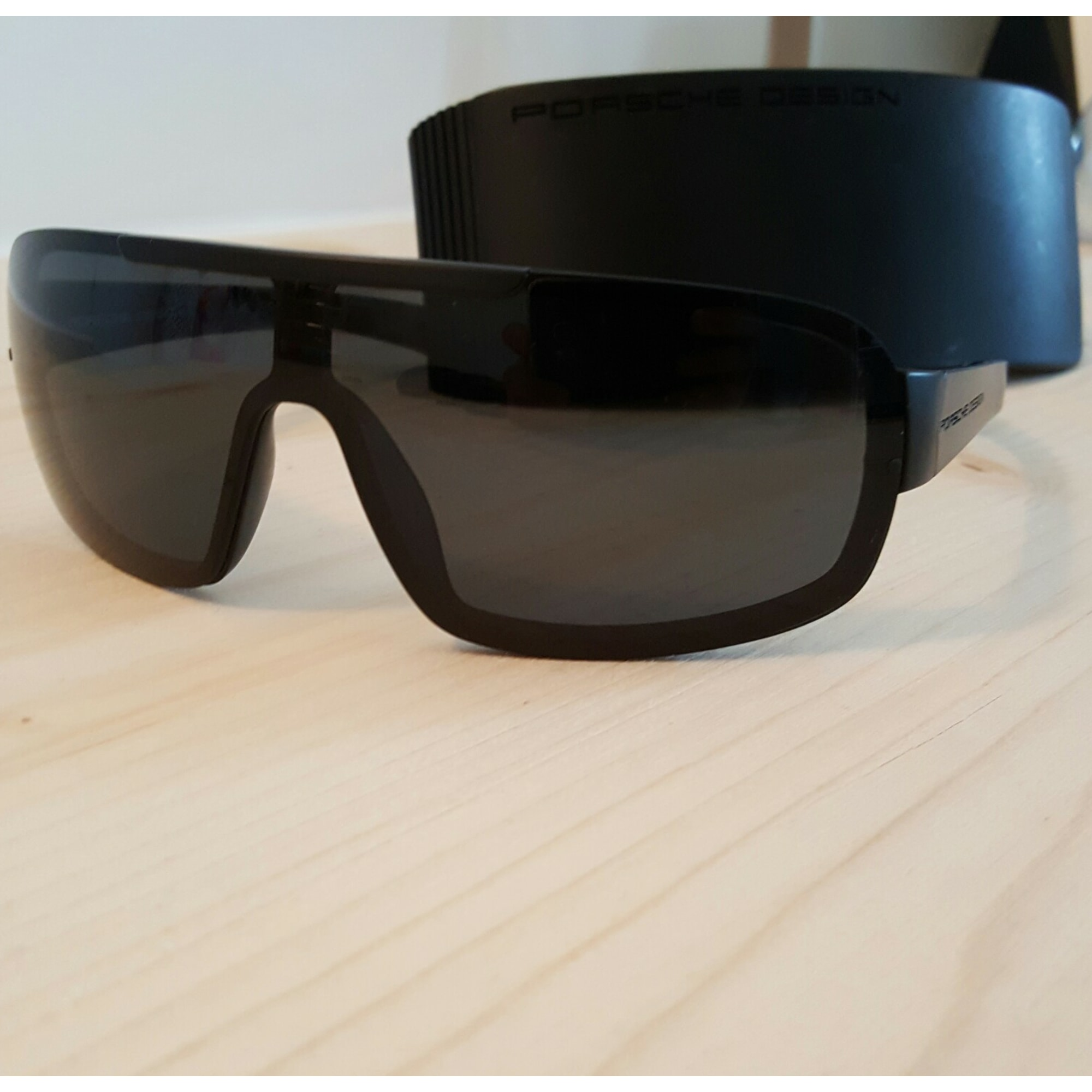 ccd228f6d79 Lunettes de soleil PORSCHE DESIGN noir vendu par Flashy méli - 4776599