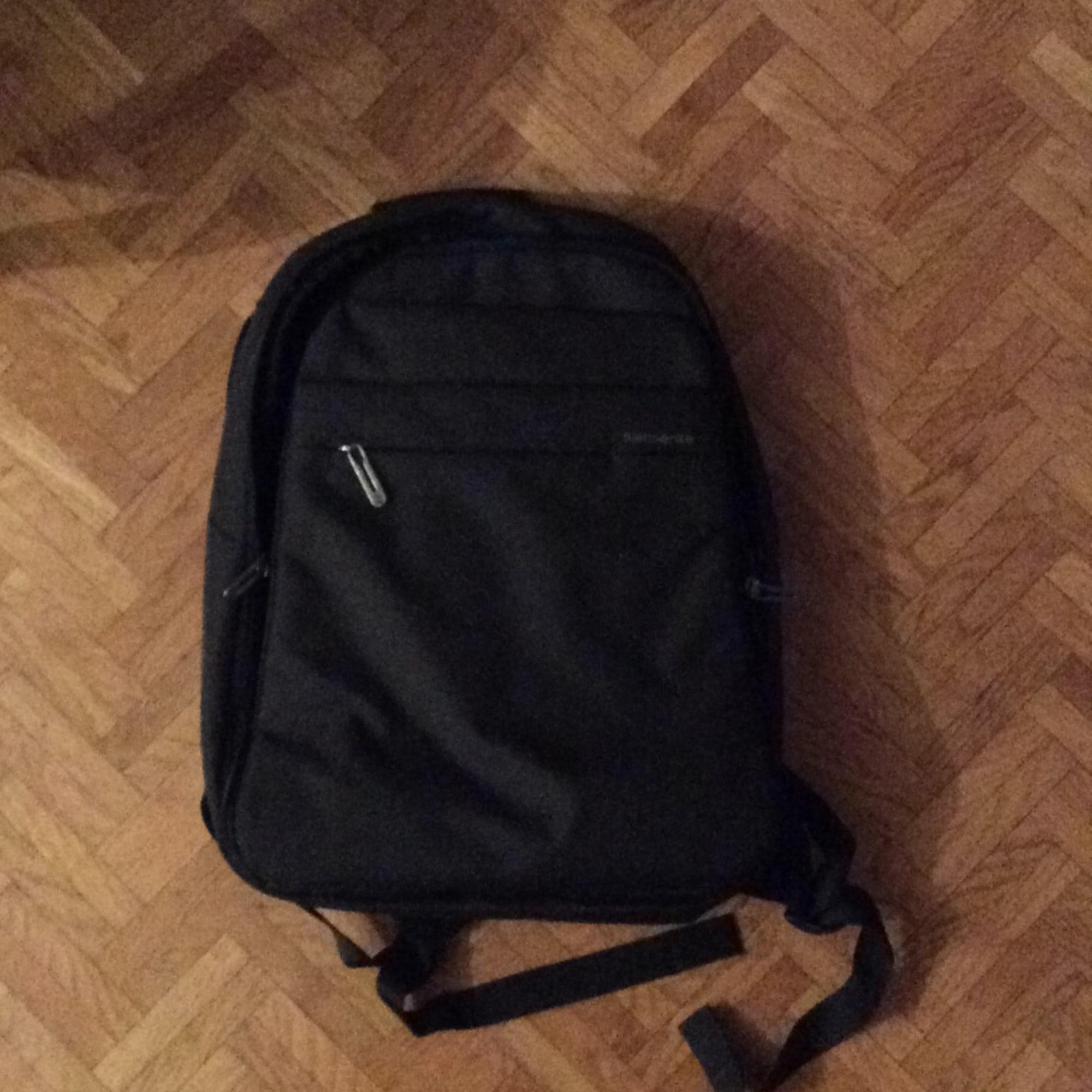 sac dos samsonite noir vendu par delphine248905 4805934. Black Bedroom Furniture Sets. Home Design Ideas