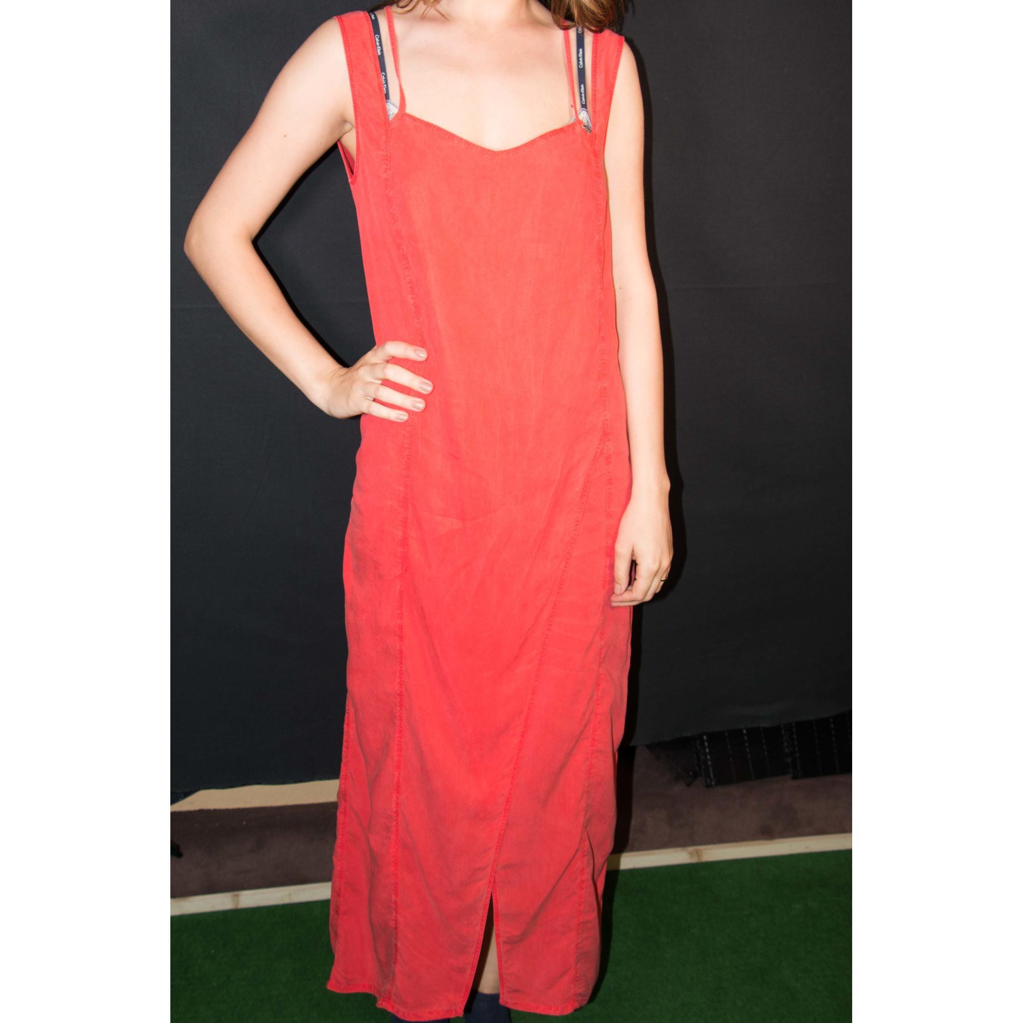 Robe longue rouge cop copine
