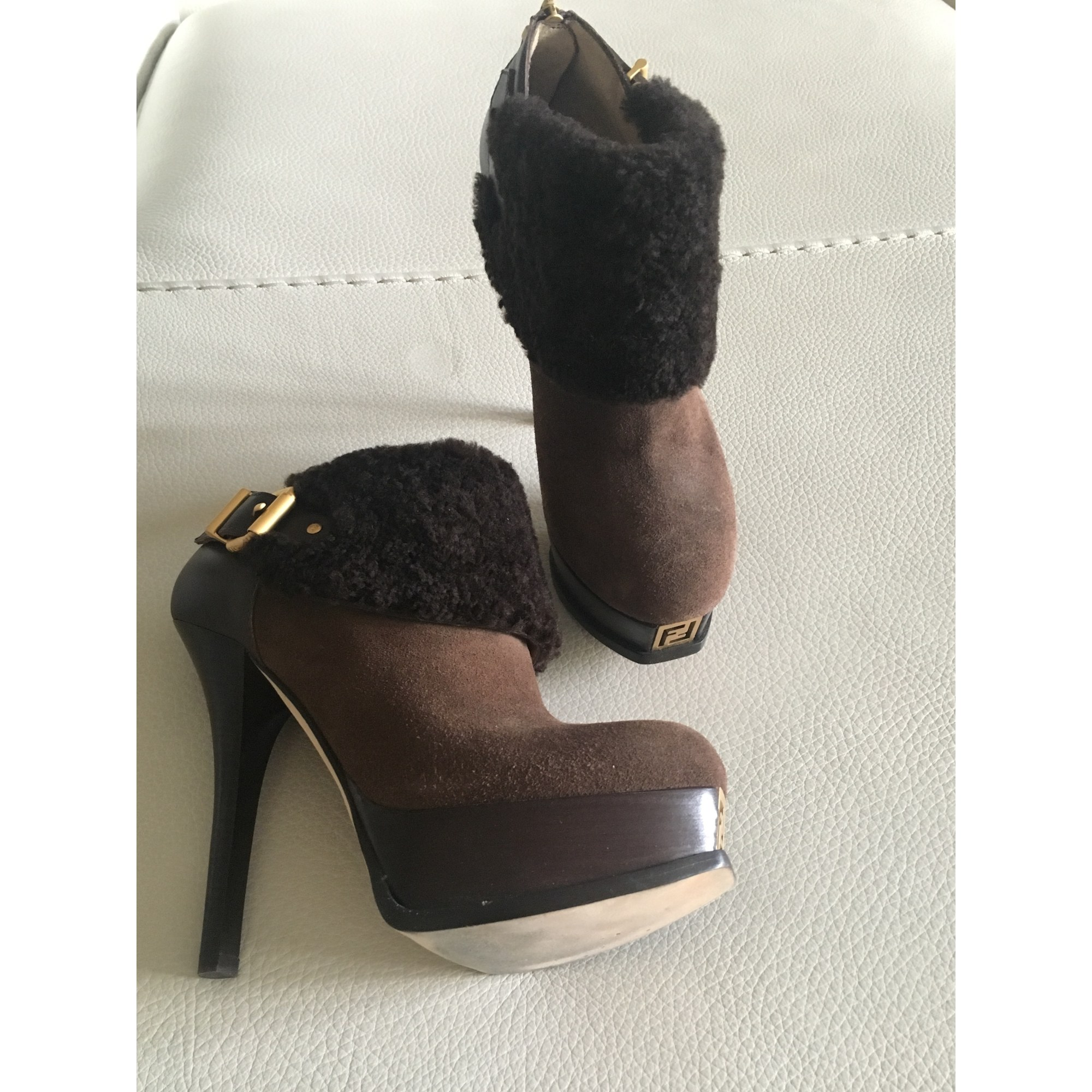 Bottines & low boots à talons FENDI Marron