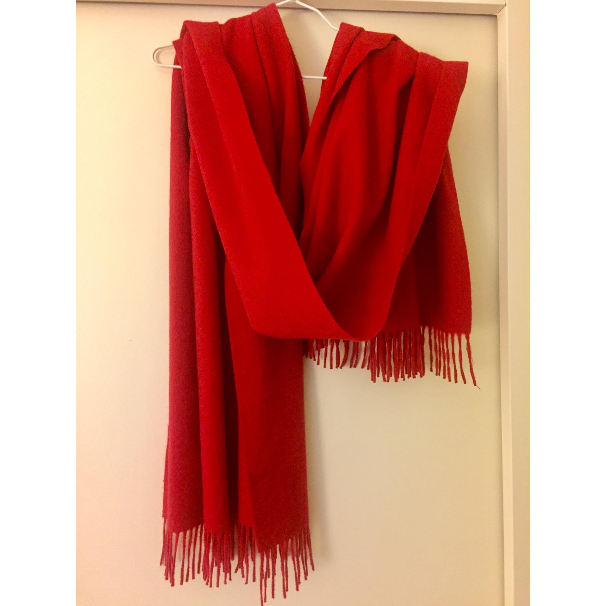 Echarpe ERIC BOMPARD rouge vendu par Le chic dressing de dany - 5825967 5cd20bce3d1