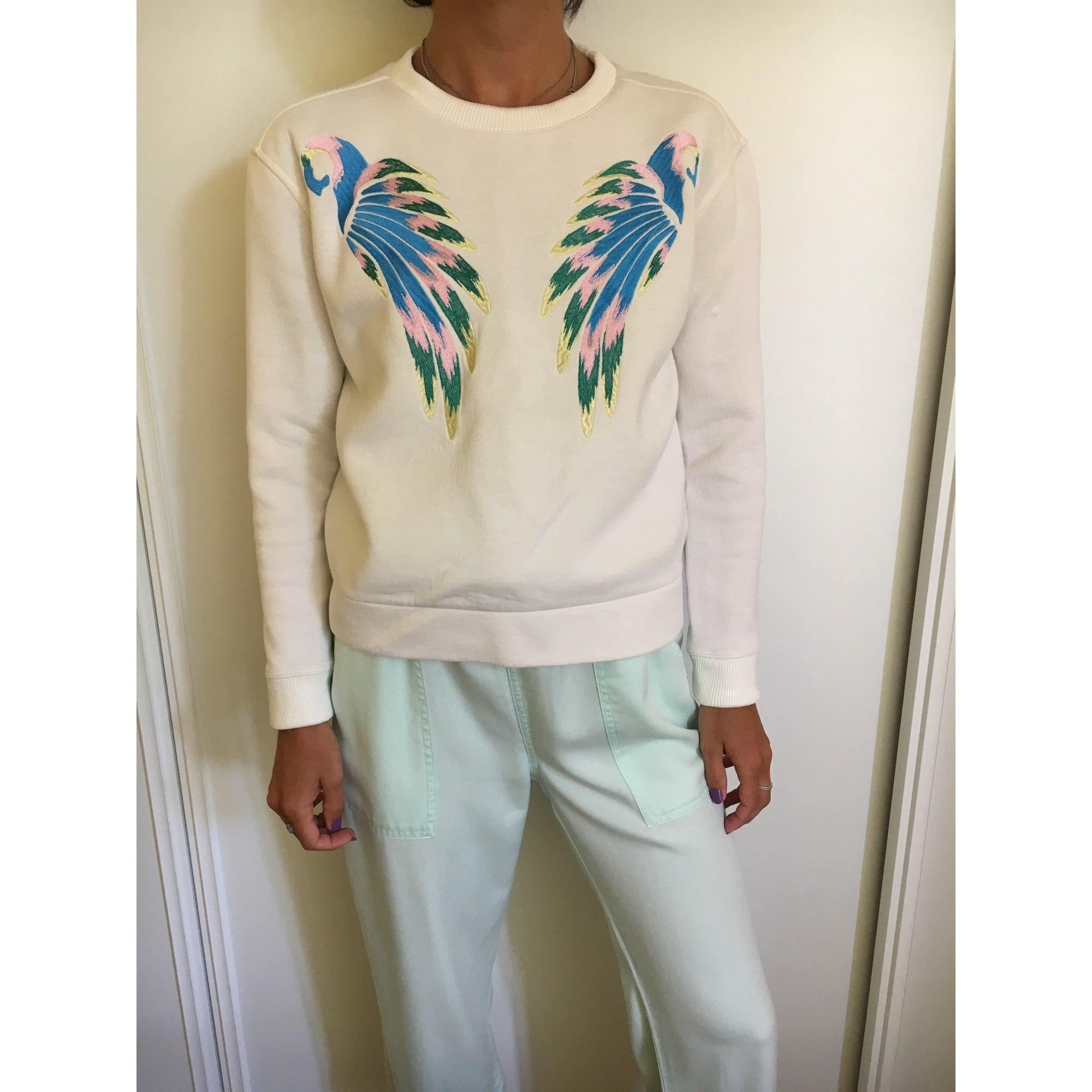 pull maje avec perroquets