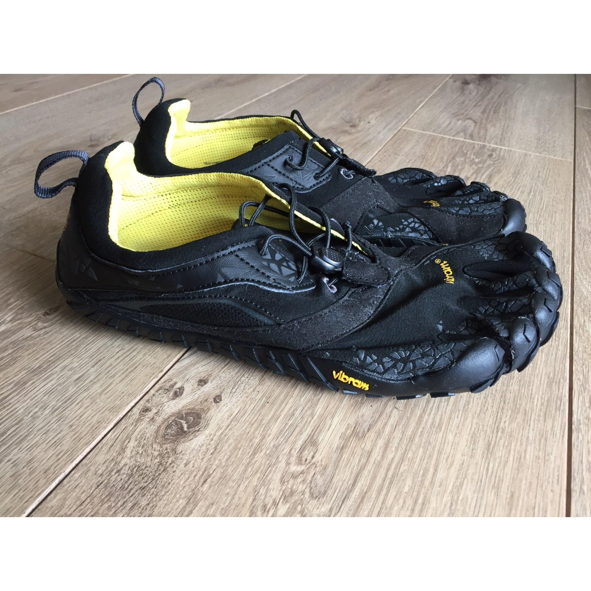 f997d526cc5 Chaussures de sport VIBRAM FIVE FINGERS 43 noir vendu par Thomashe ...