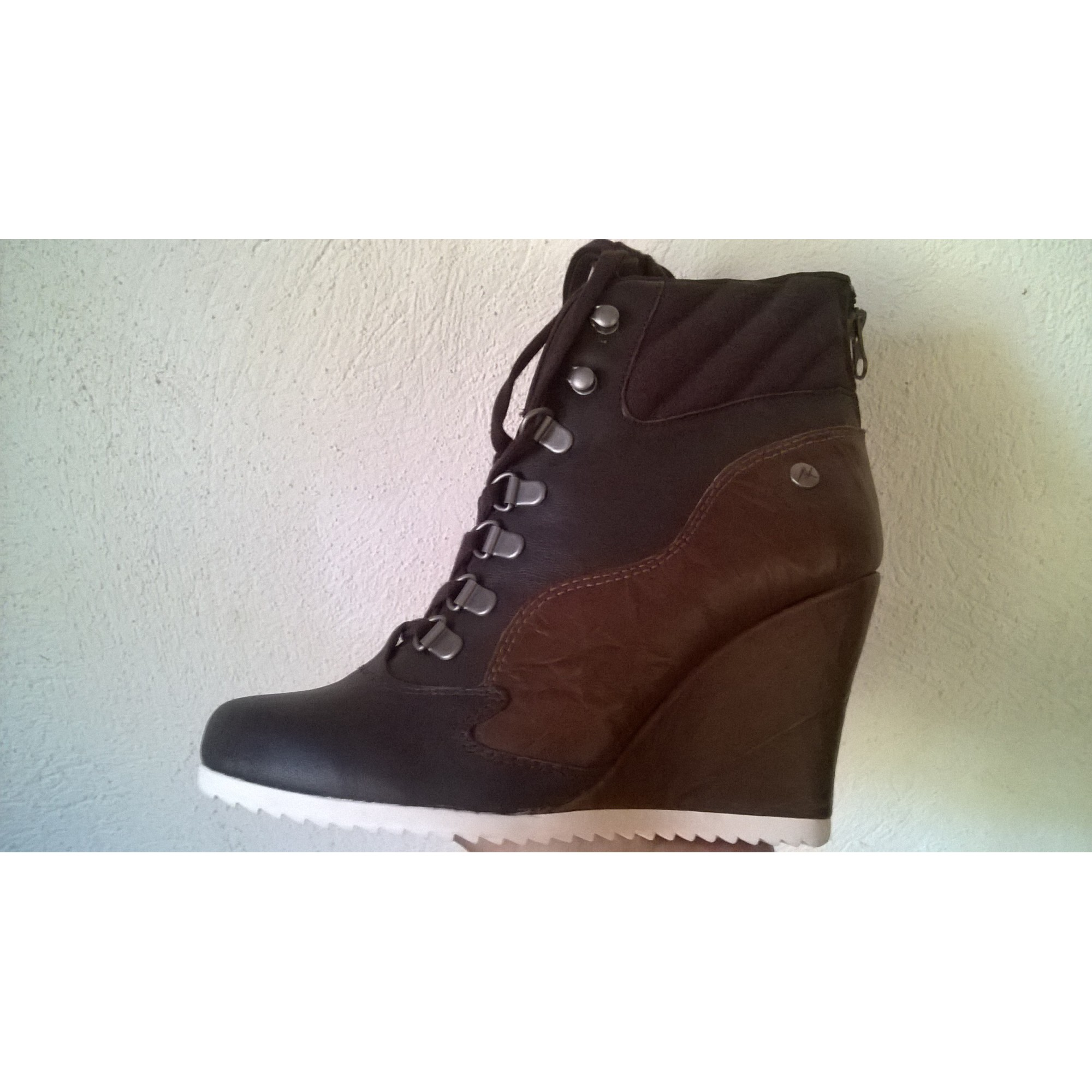 Compensés Vendu Par Vanessa8 Boots 37 Low À Bottinesamp; Marron Reebok F1J3uTclK