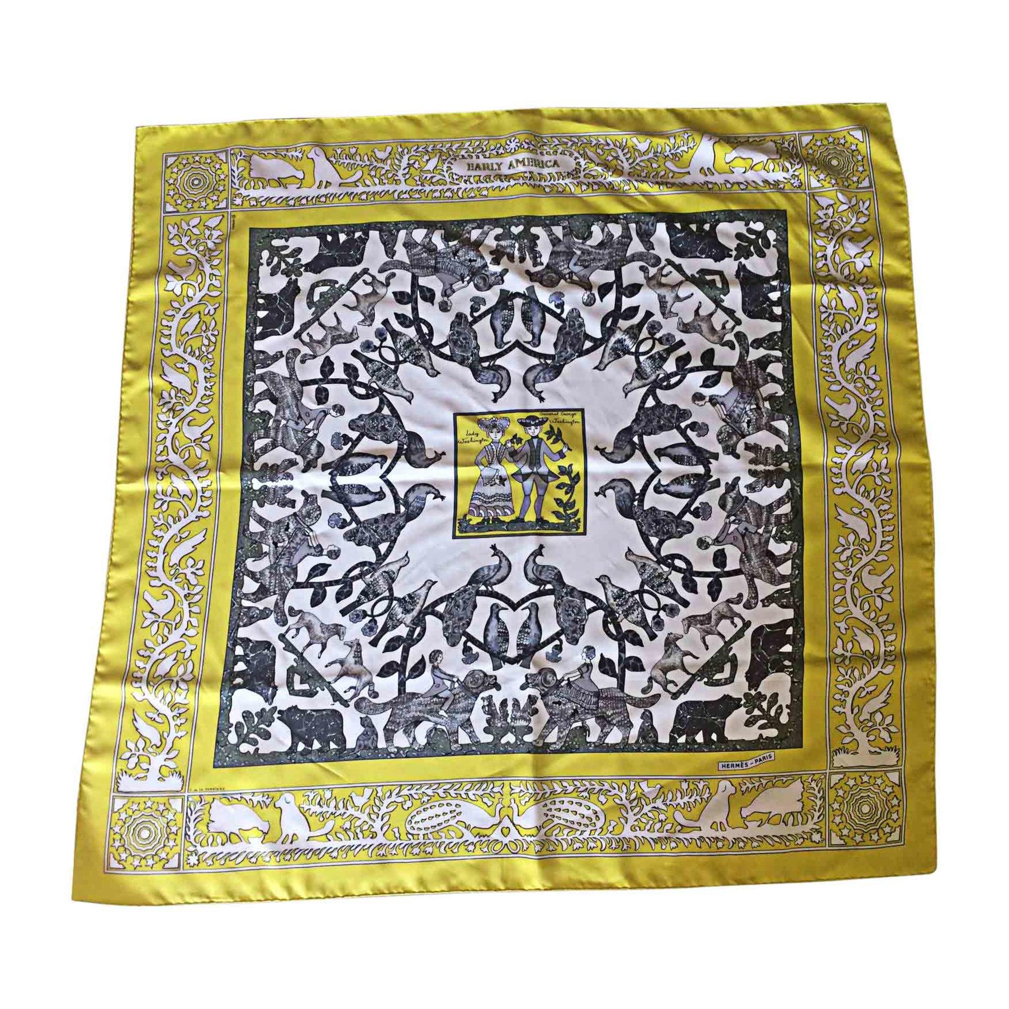 7fcfb0b6e1 Foulard HERMÈS imprimés animaliers vendu par Sophie 6351 - 6772058