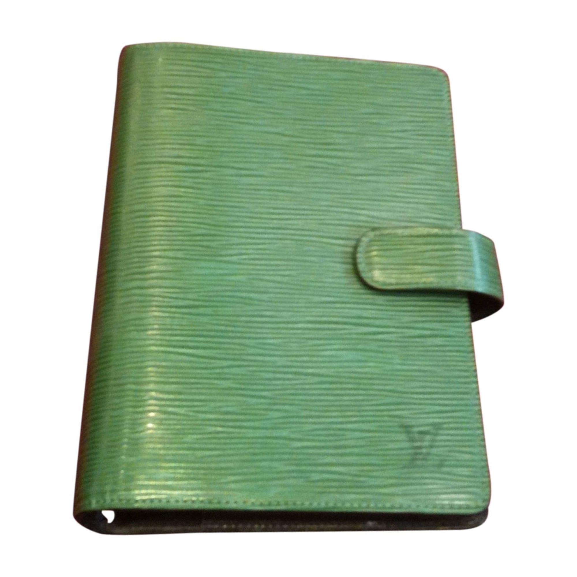 Porte-cartes LOUIS VUITTON vert vendu par Comptoir bordelais du ... a9544cd7086