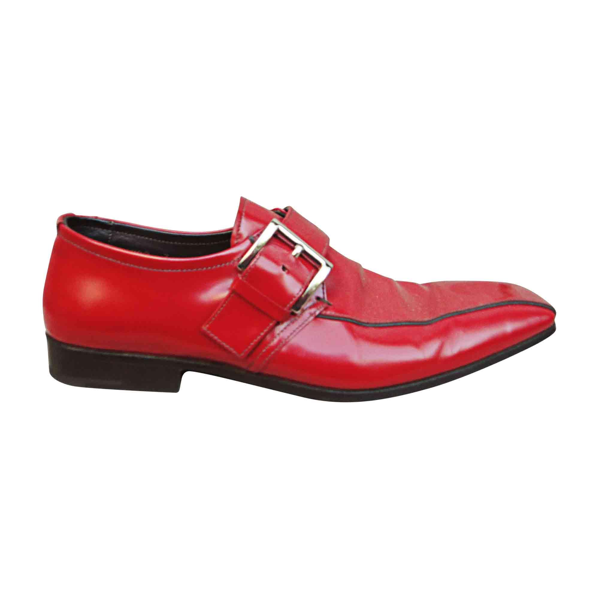 Par Chaussures À Boucles Sacha Vendu 41 De Grenier Rouge Prada Le frYgOqwr