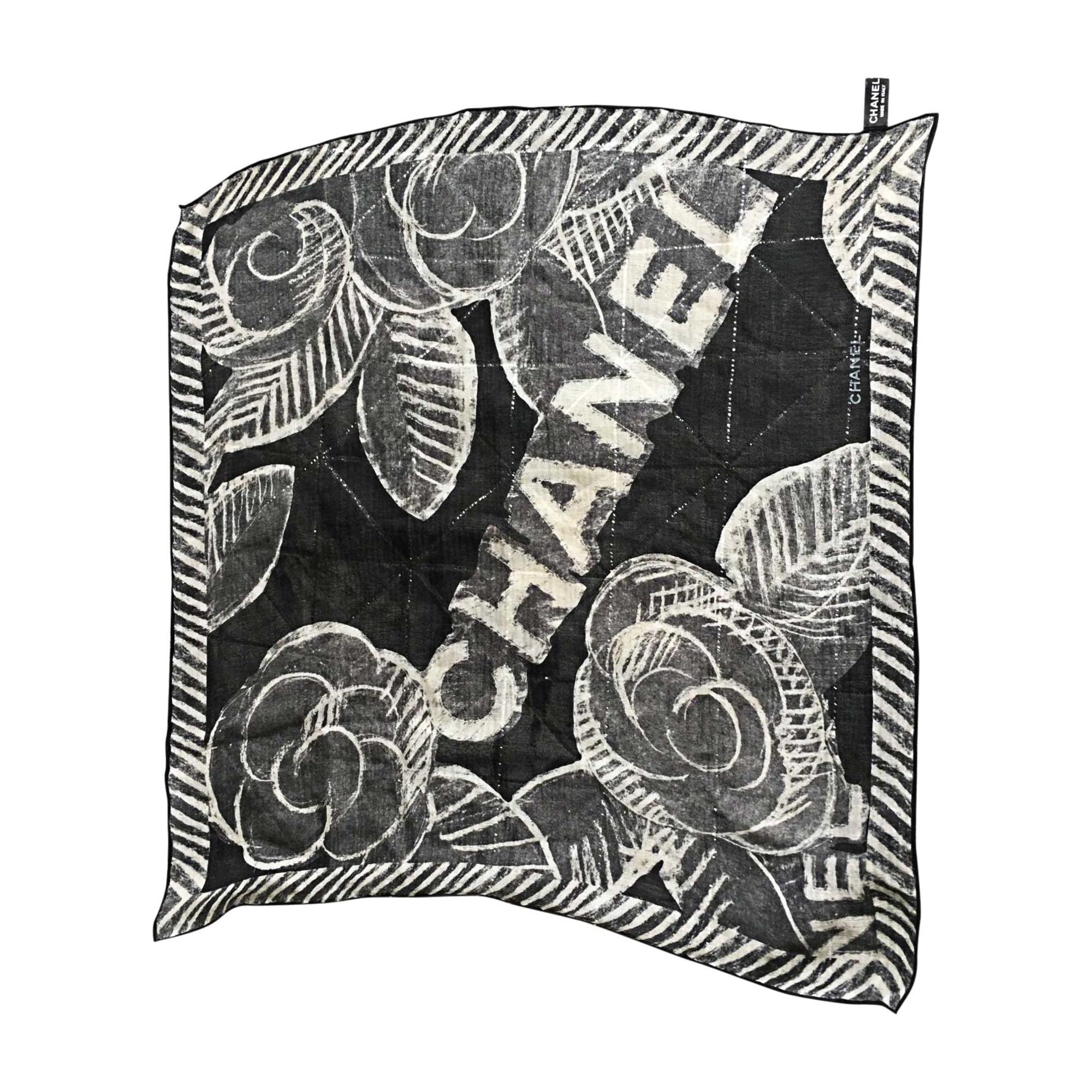 Foulard CHANEL noir vendu par Virginie 5272 - 6874375 d02fc926d59