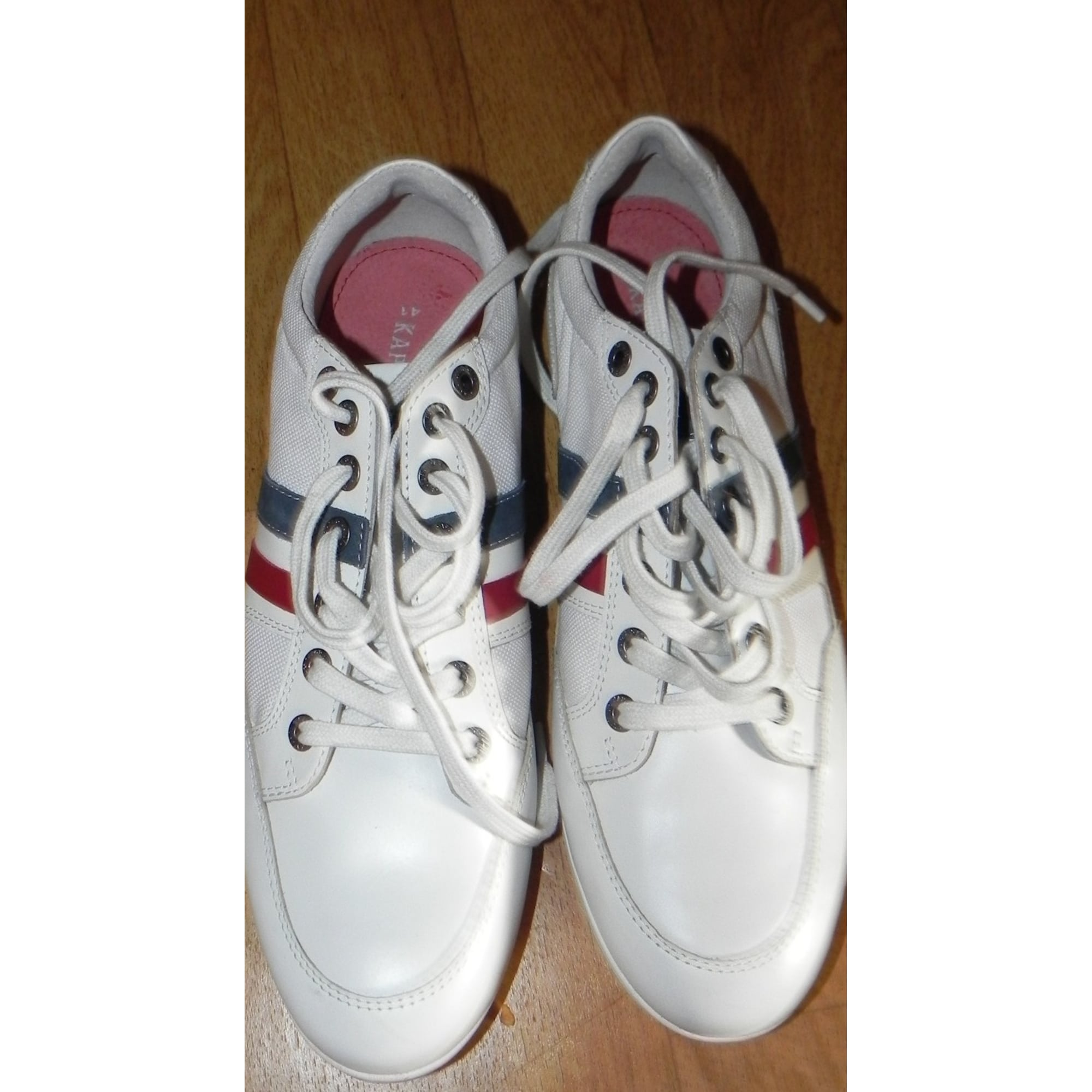 Chaussures à boucles KAPORAL Blanc, blanc cassé, écru
