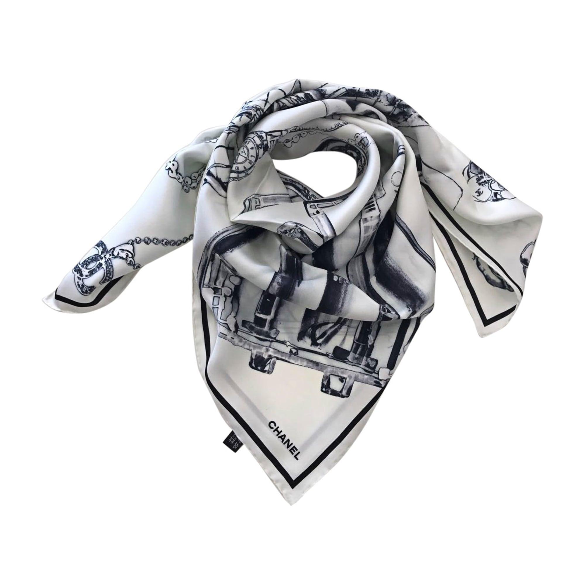 2ac9b7653a98 Foulard CHANEL Blanc, blanc cassé, écru