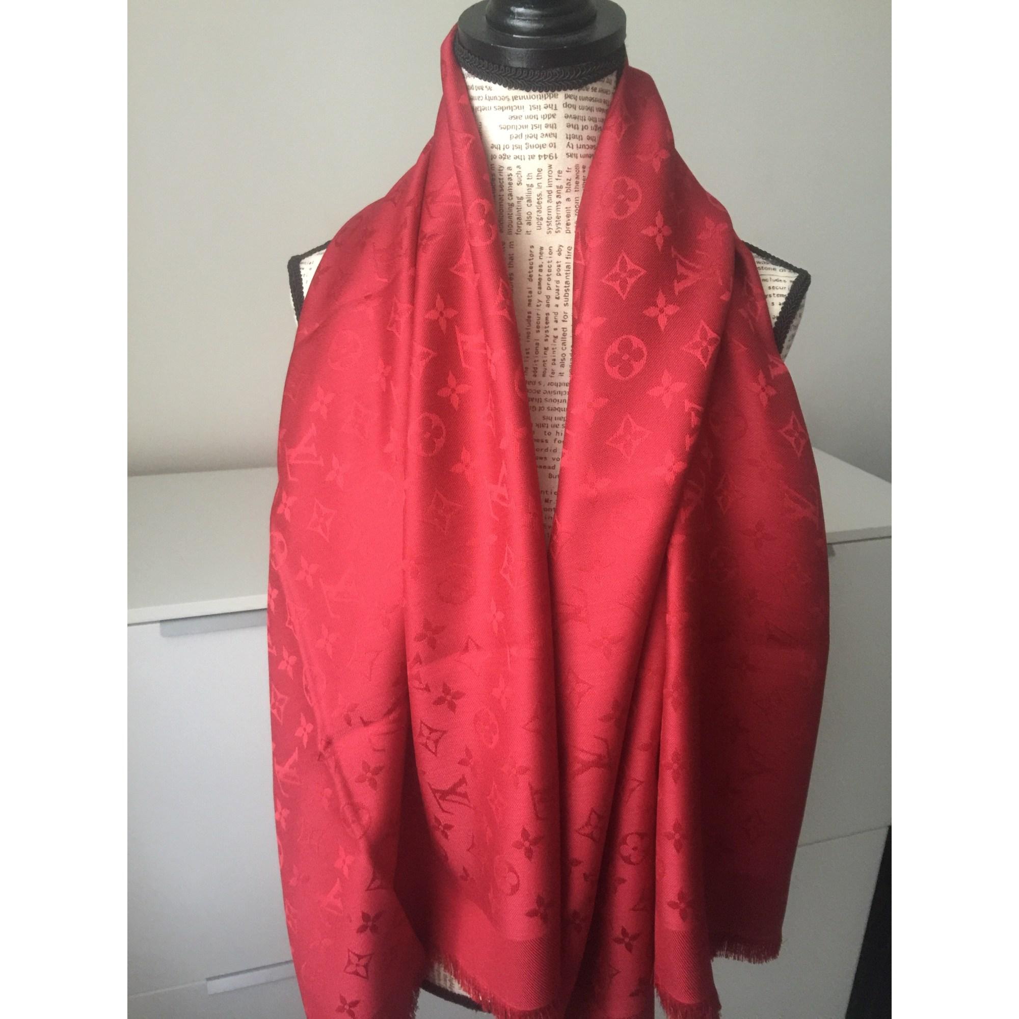 Foulard LOUIS VUITTON rouge vendu par Sophie27 - 7024701 af1d2ad12bd