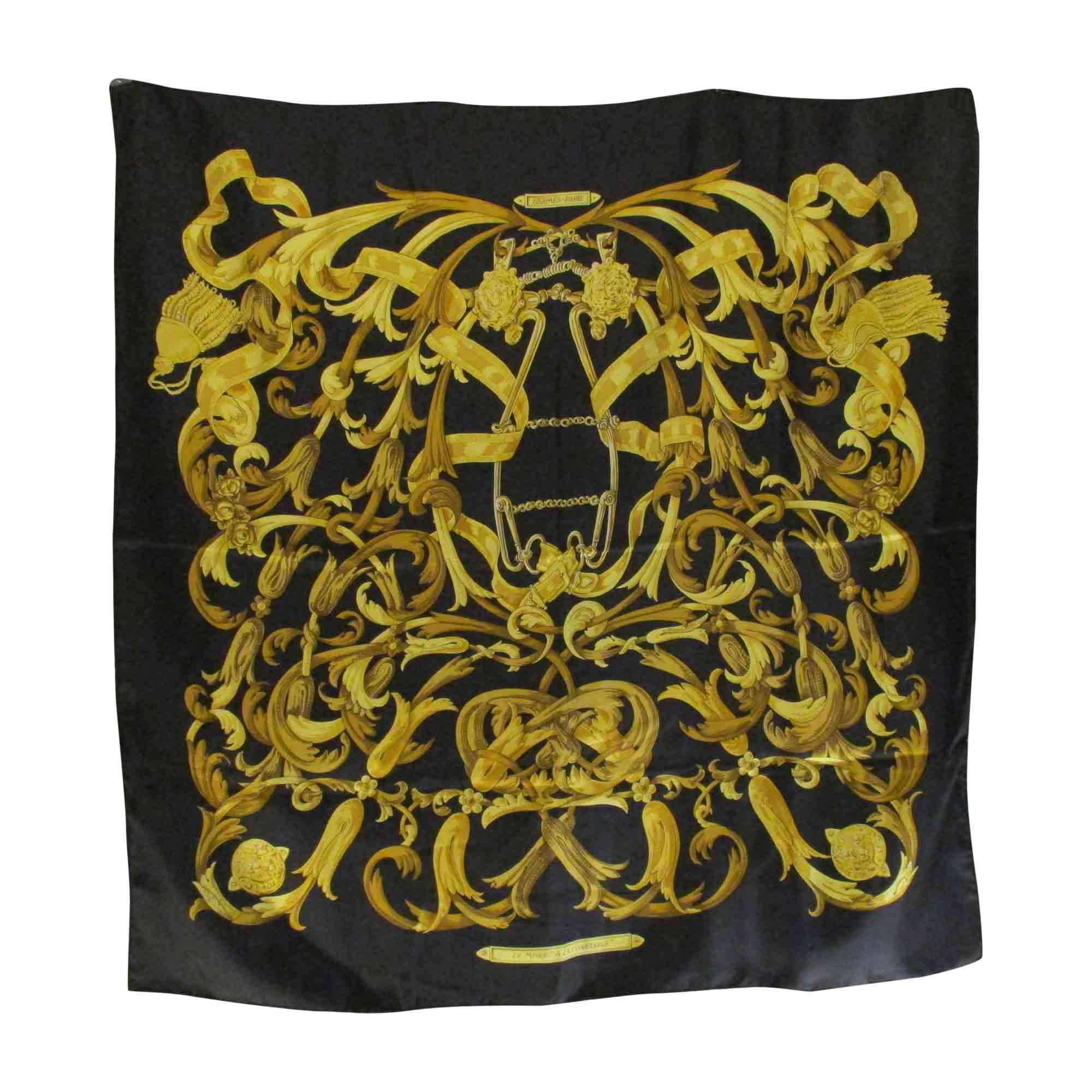 7b80adf657 Foulard HERMÈS carr dominante noir et jaune - 7039059