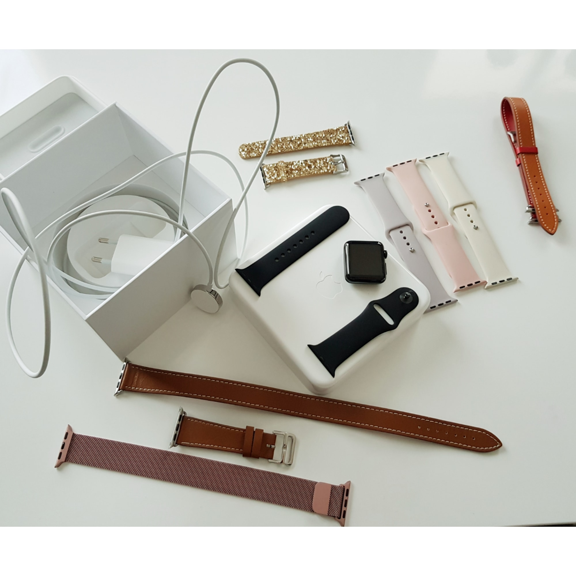 montre au poignet apple noir vendu par emeline 590 7084492. Black Bedroom Furniture Sets. Home Design Ideas