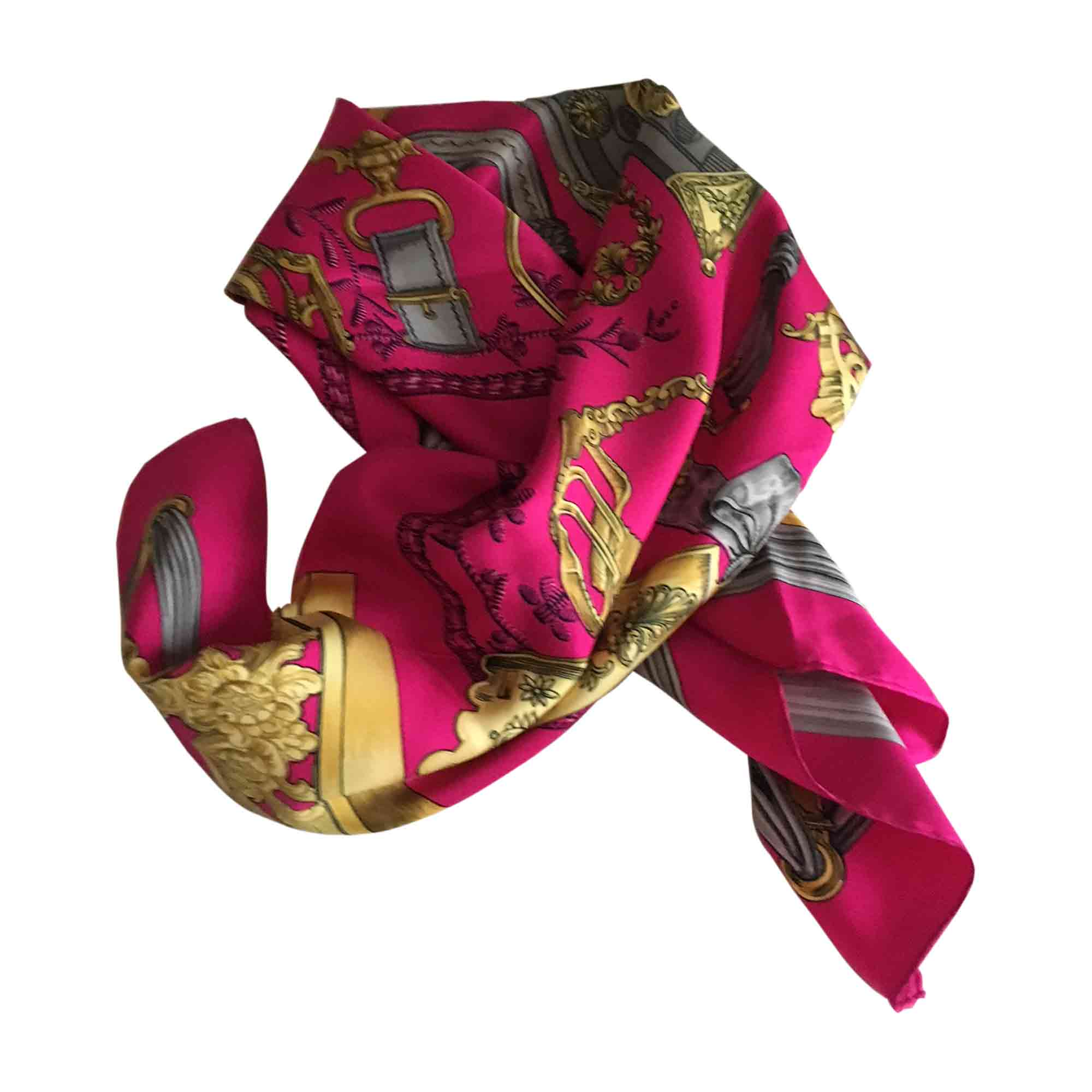 Foulard HERMÈS rose vendu par Betty 18217472 - 7182613 0e827d4f28e
