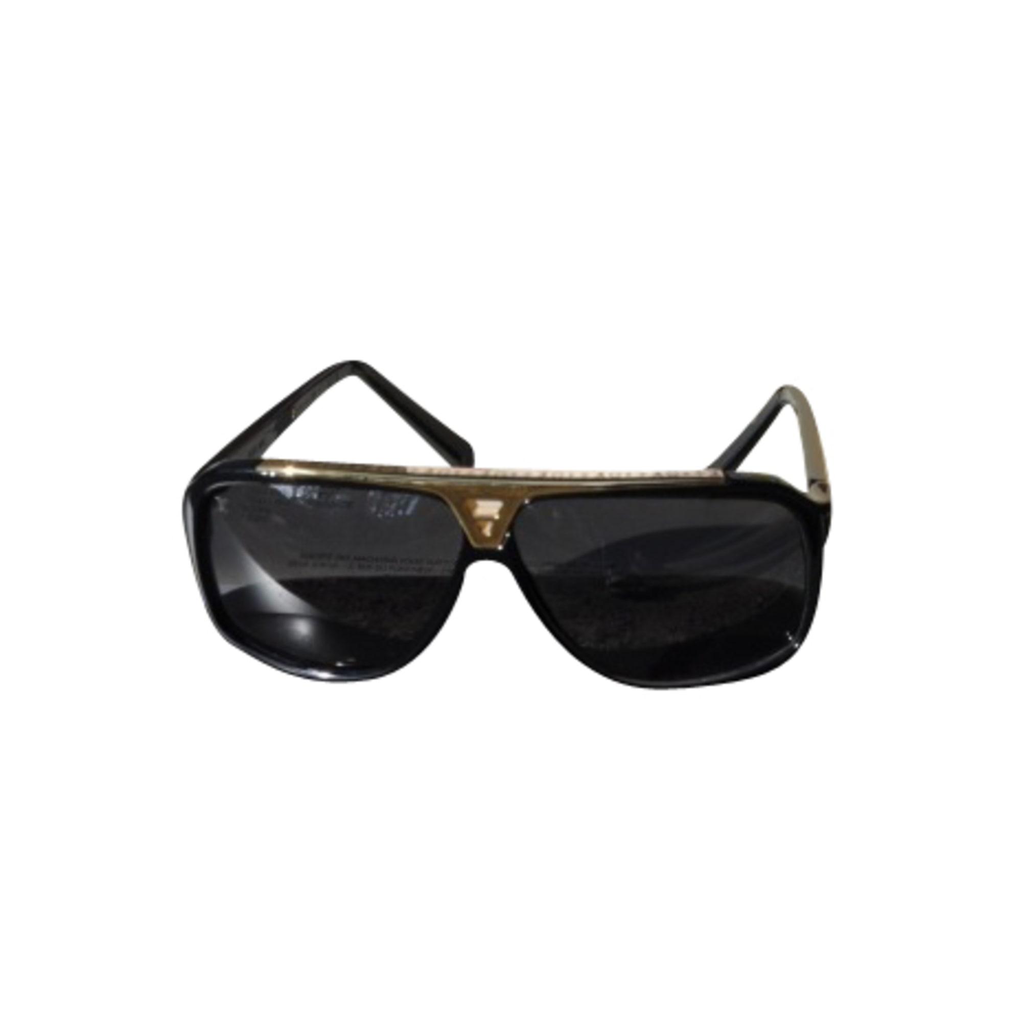 Lunettes de soleil LOUIS VUITTON noir vendu par Le vide-dressing ... ac9e3b181057