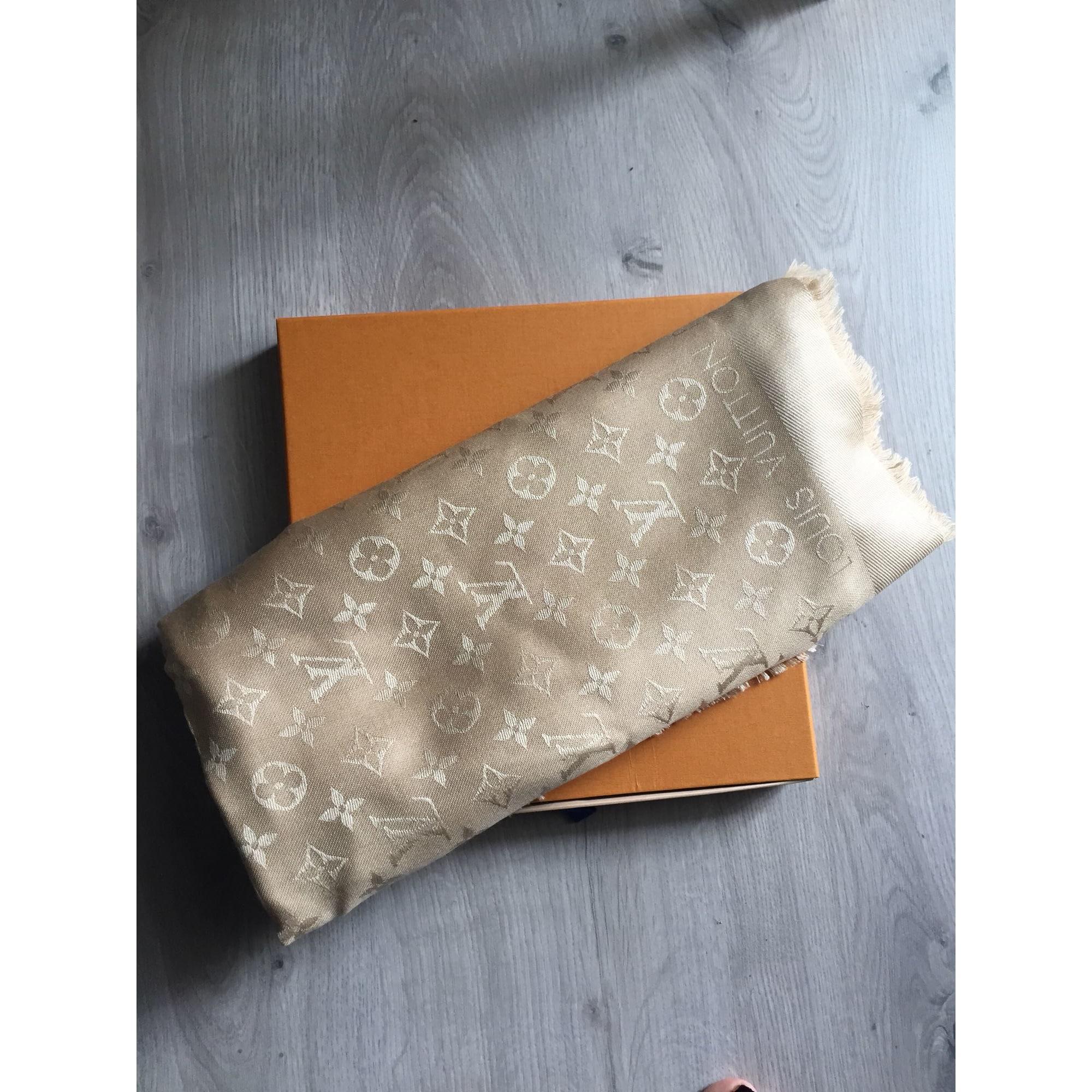Châle LOUIS VUITTON beige vendu par Julie571916 - 7382957 4f20568c50e