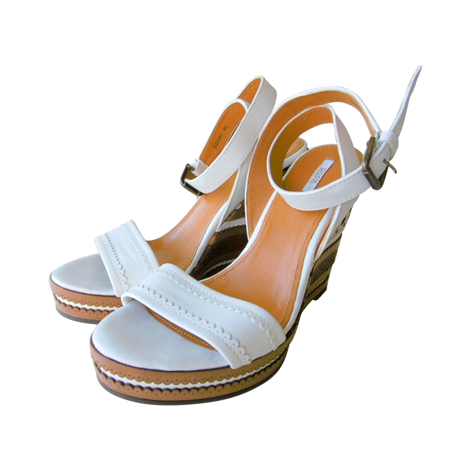 online store 0b4ca dee2c Sandales compensées GEOX Marron et blanc