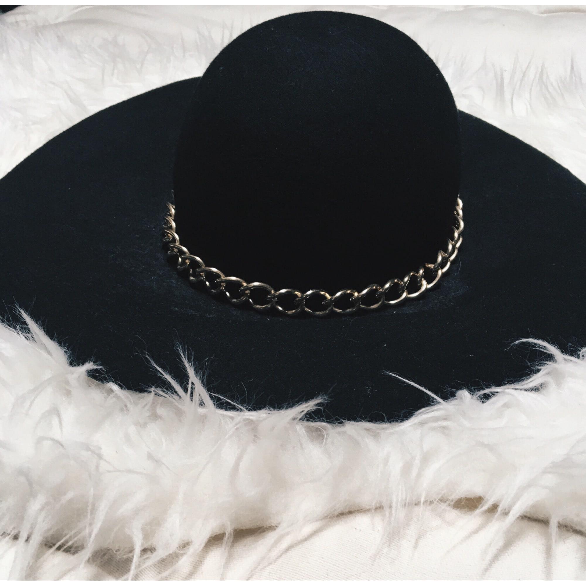 35f6b5e677ed5 Chapeau ZARA Taille unique noir - 7508075