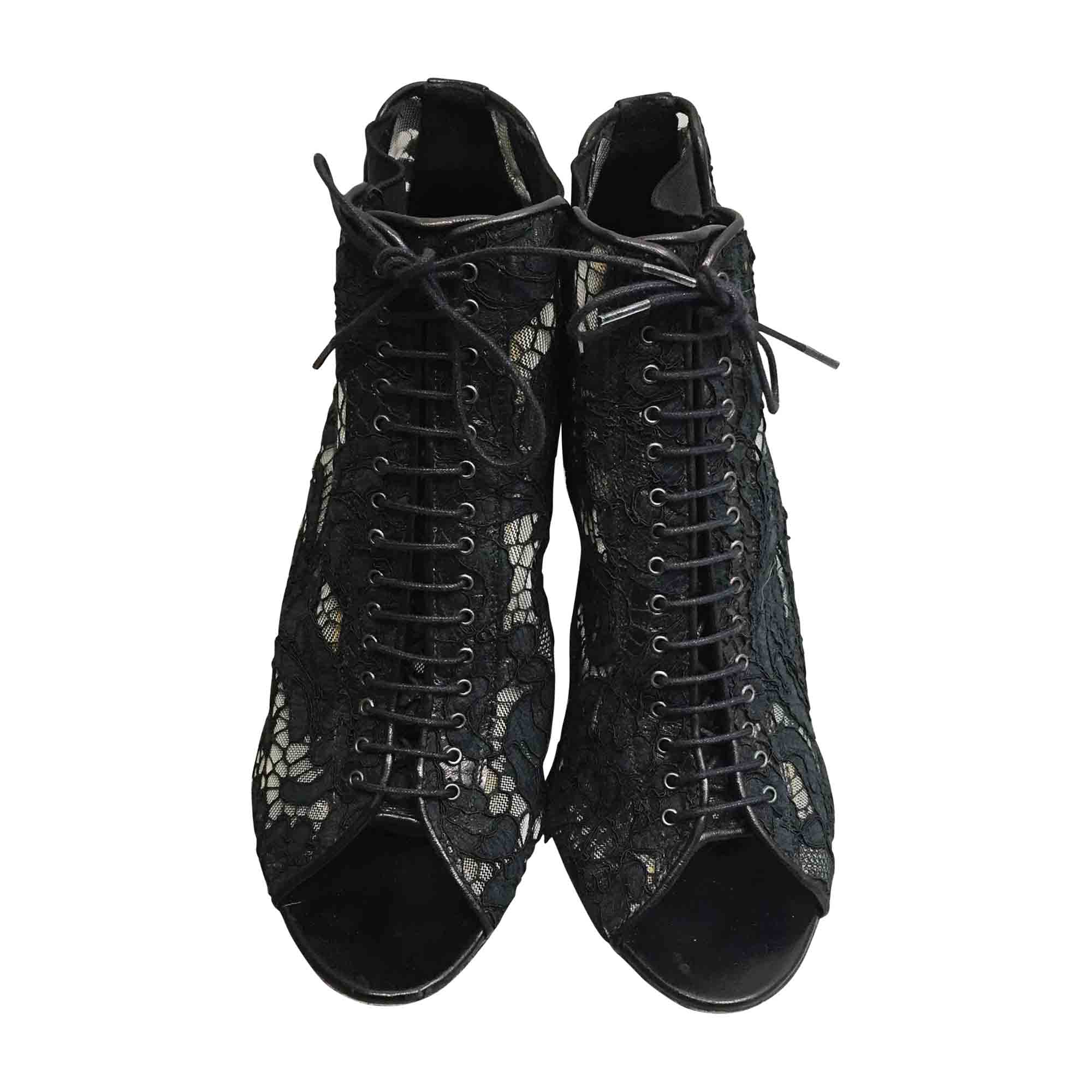 Bottines & low boots à talons GIVENCHY Noir