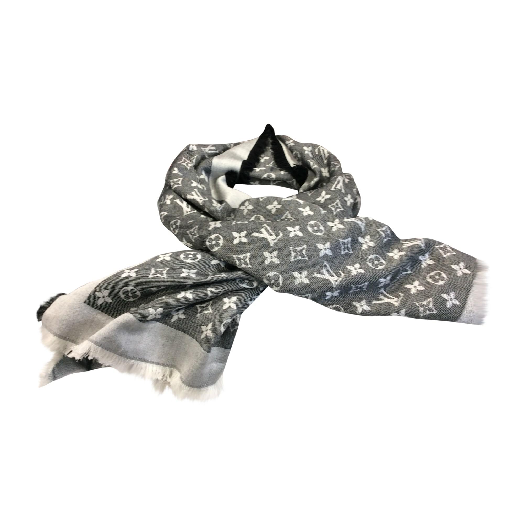 Echarpe LOUIS VUITTON gris vendu par Christian p165156 - 7607125 e14e82052c8