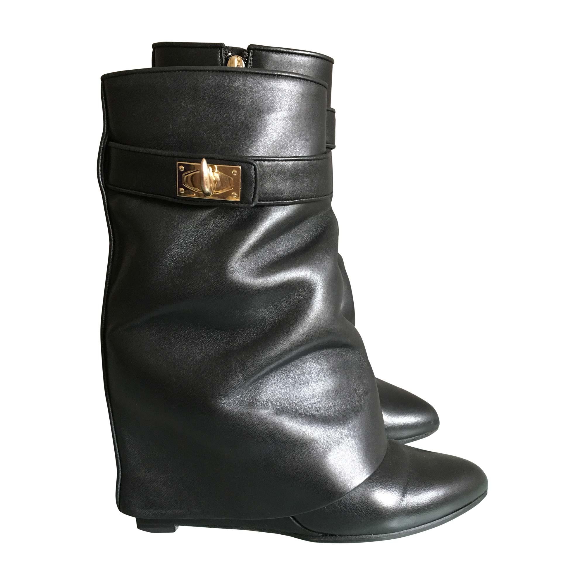 fa7f517af2d Bottines   low boots à compensés GIVENCHY Noir