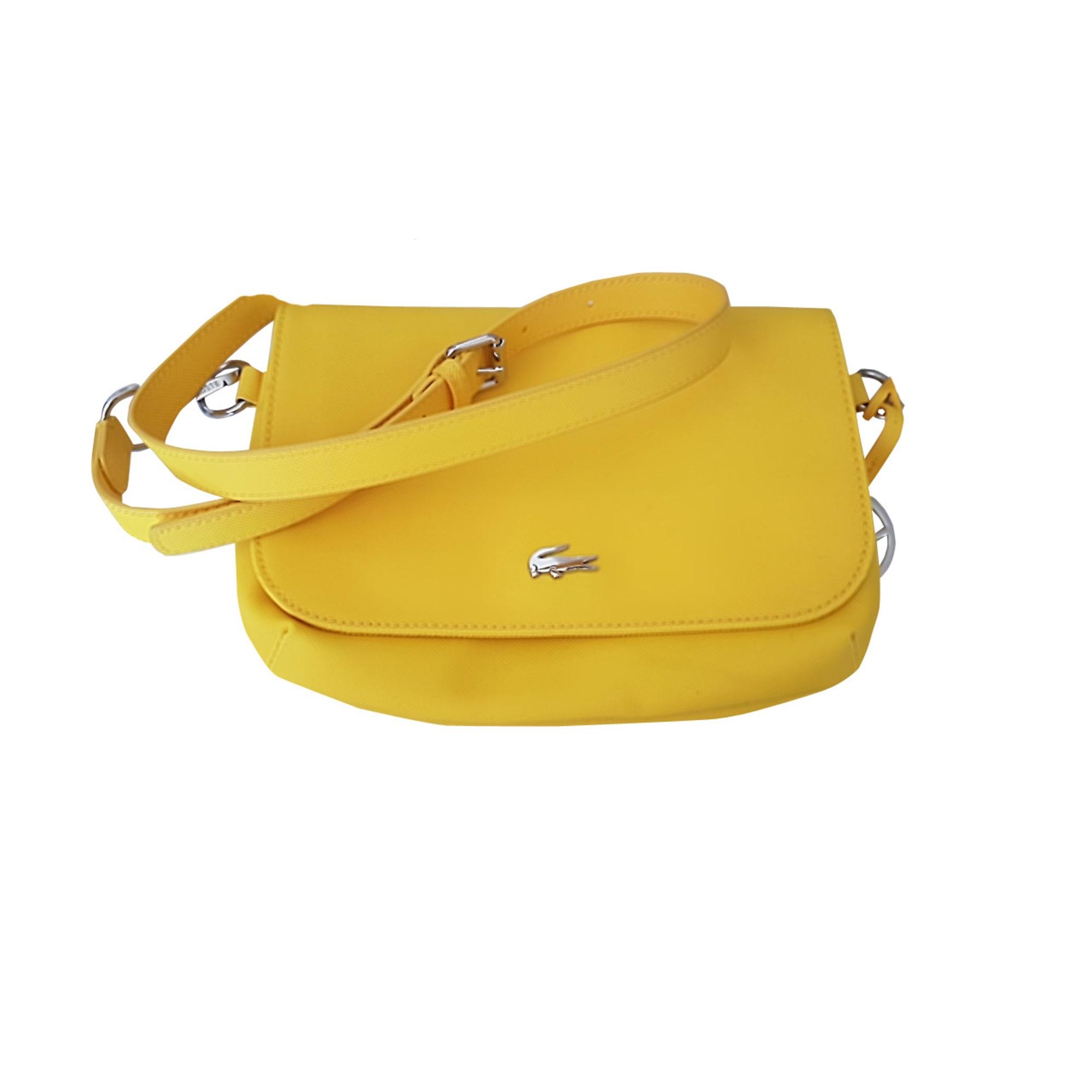 0061c5ad64 Sac en bandoulière en tissu LACOSTE jaune vendu par Lisette 22579576 ...