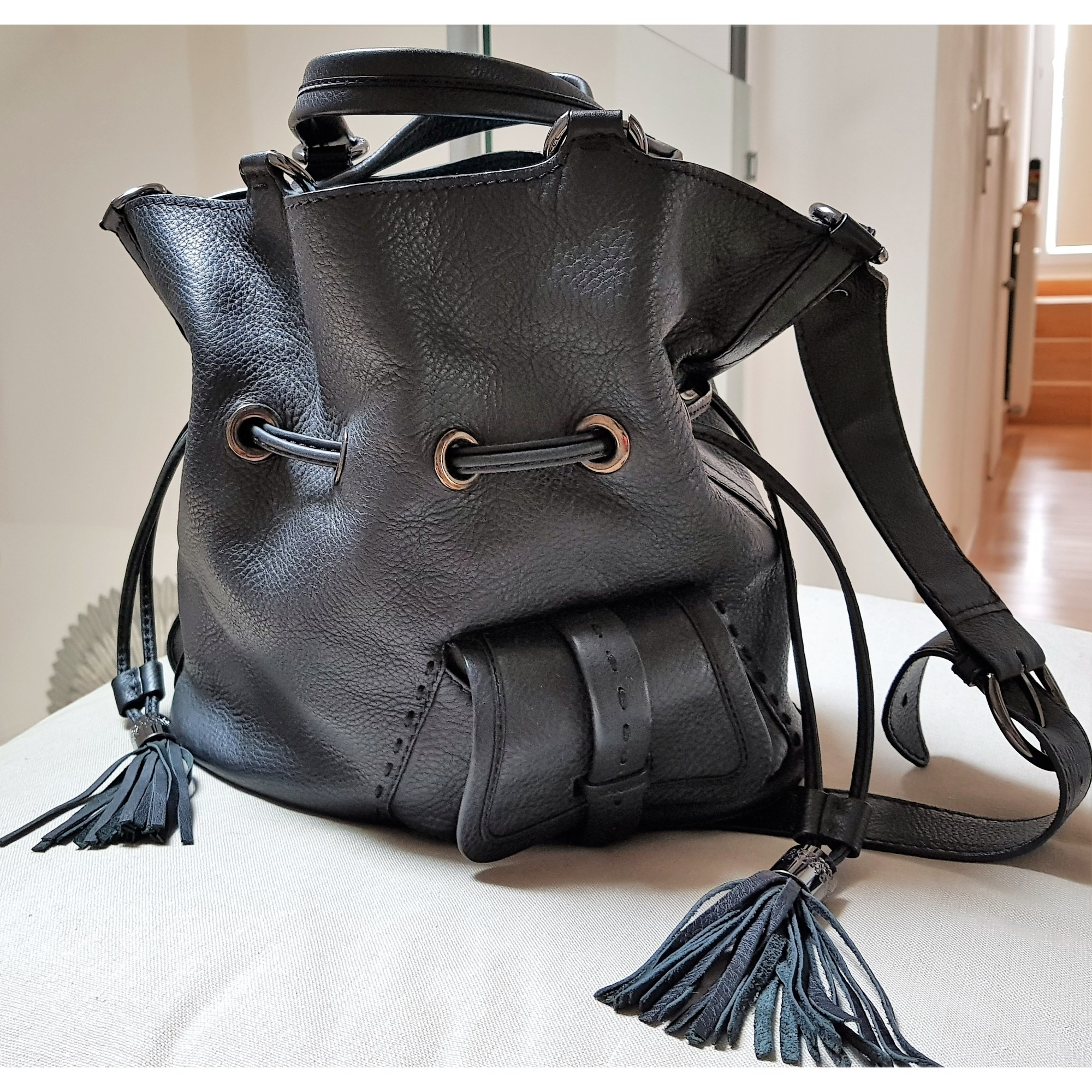 7989b7ed044 Sac à main en cuir LANCEL 1er flirt noir vendu par Sabine 24291689 ...