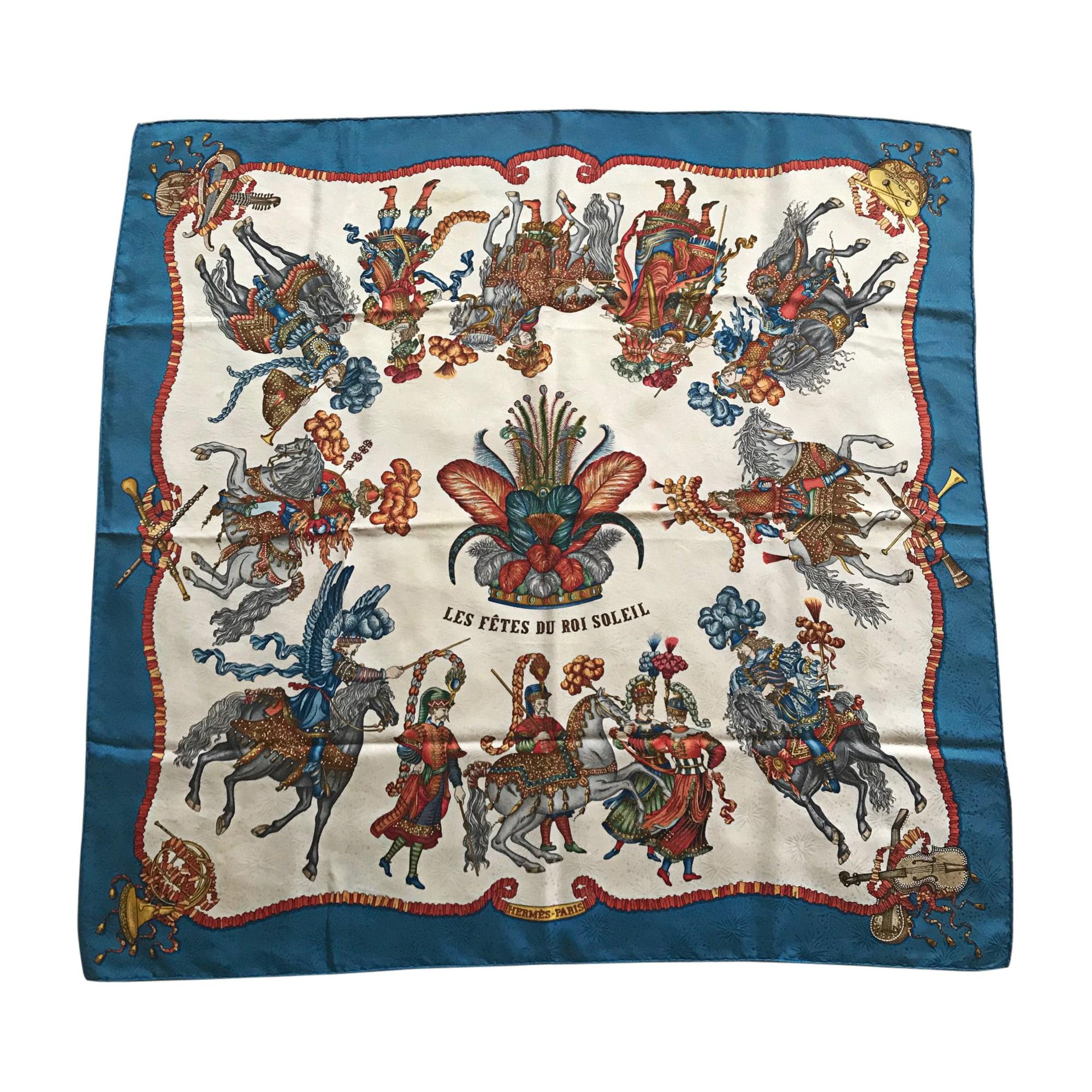 3781852ab15 Foulard HERMÈS carr bleu vendu par D annabelle 5135064 - 7694906