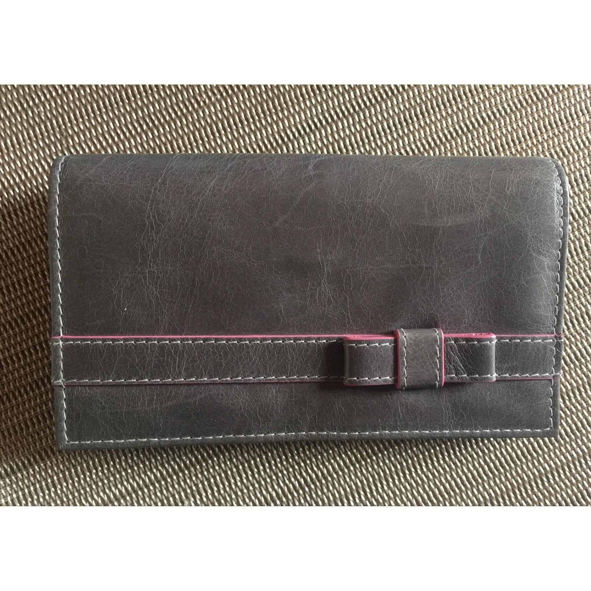 Portefeuille BRONTIBAY gris vendu par Sandrine490571 - 7751090 d364b5ffdfc