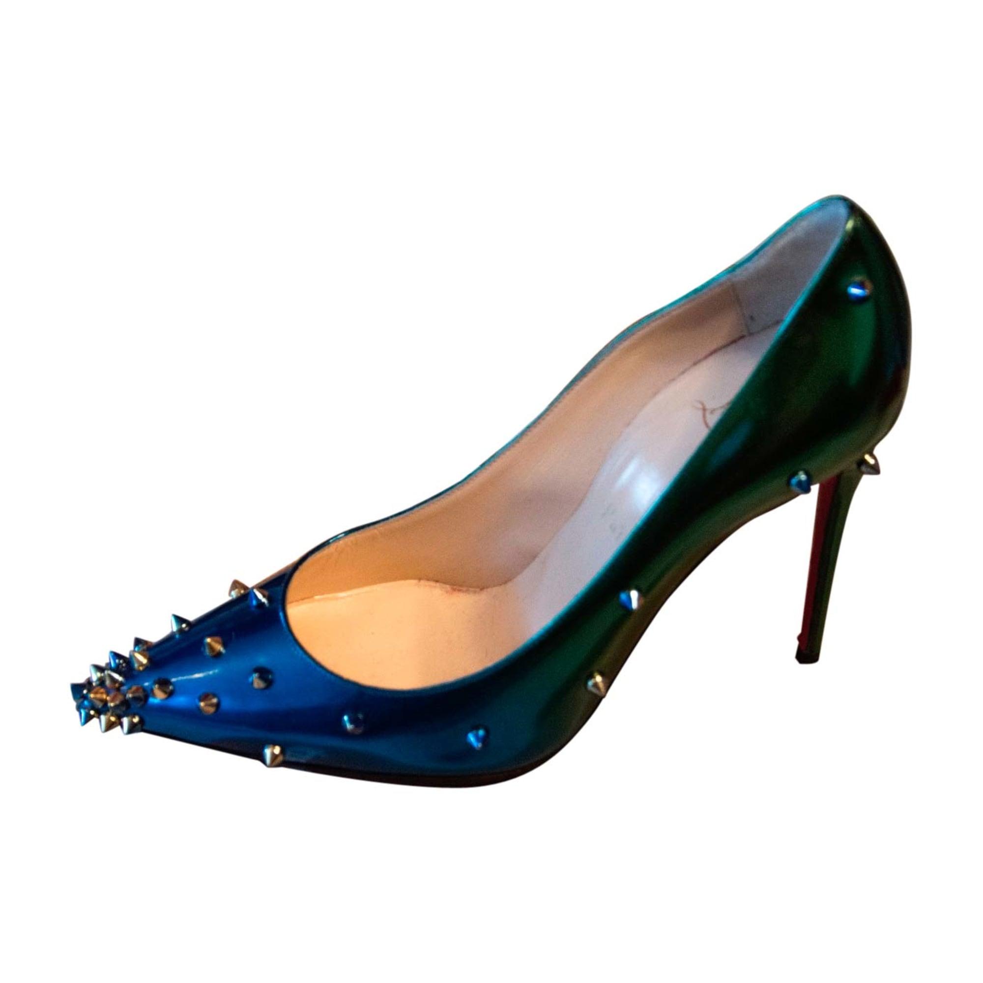 escarpins bleus louboutin