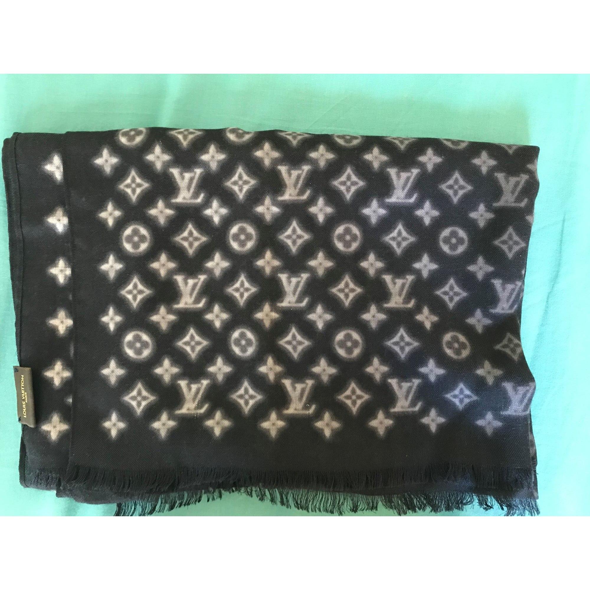 Echarpe LOUIS VUITTON noir vendu par Nthh69 - 7984412 37ec901d95d