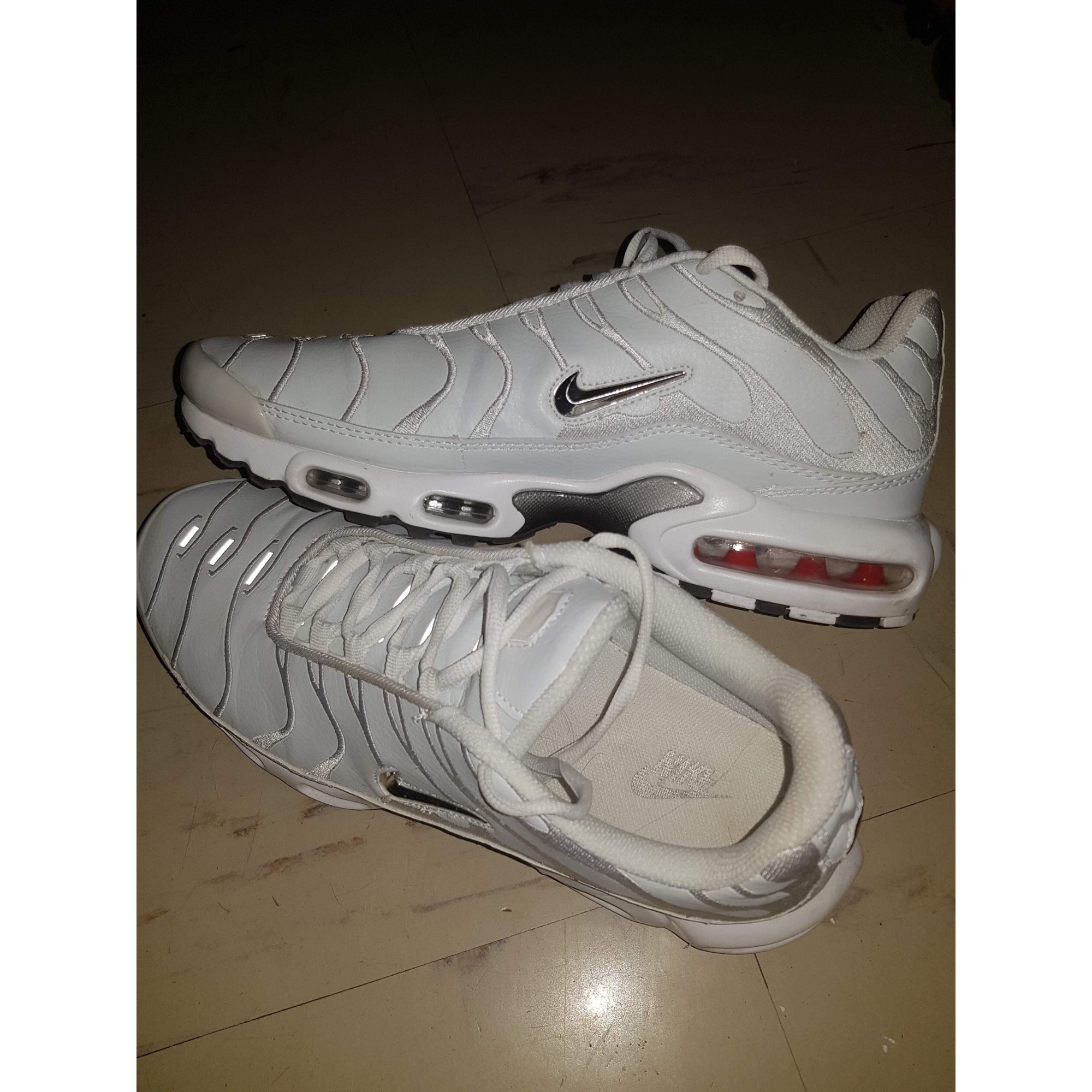 a0f61b524e6 Baskets NIKE TN 46 blanc - 7987945