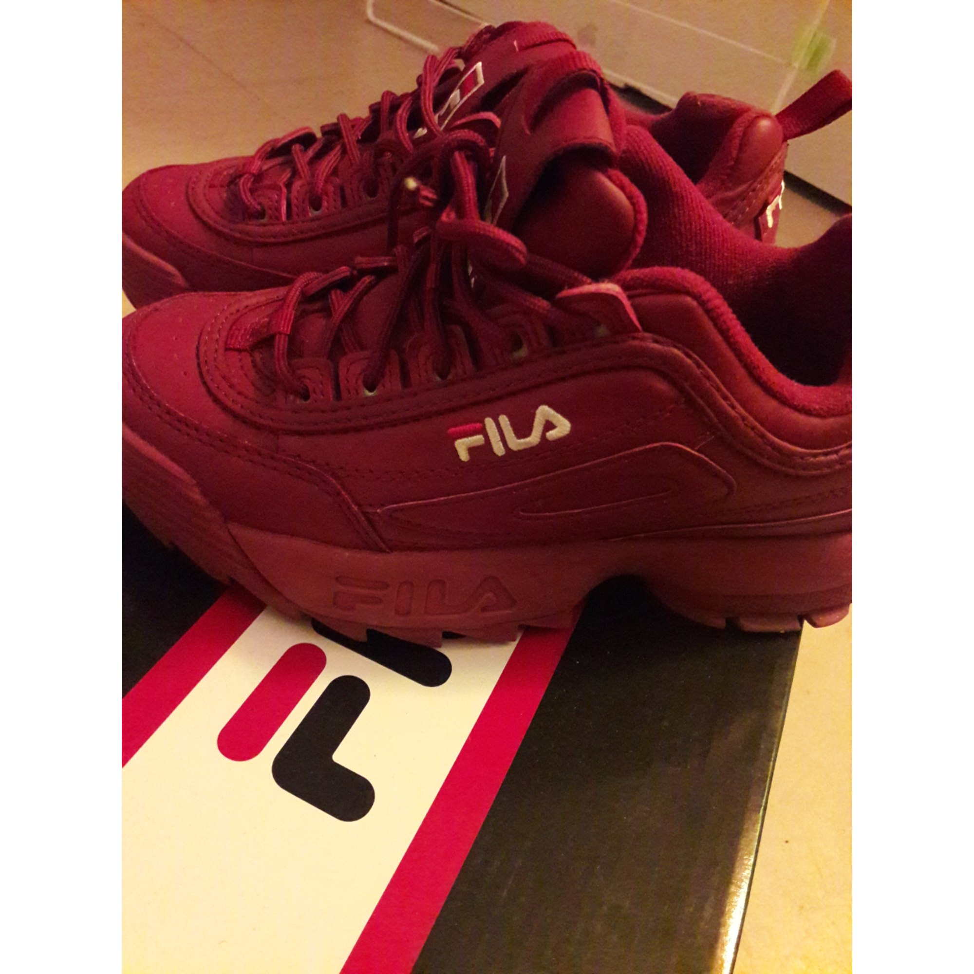 vrai fila chaussure fille taille 37