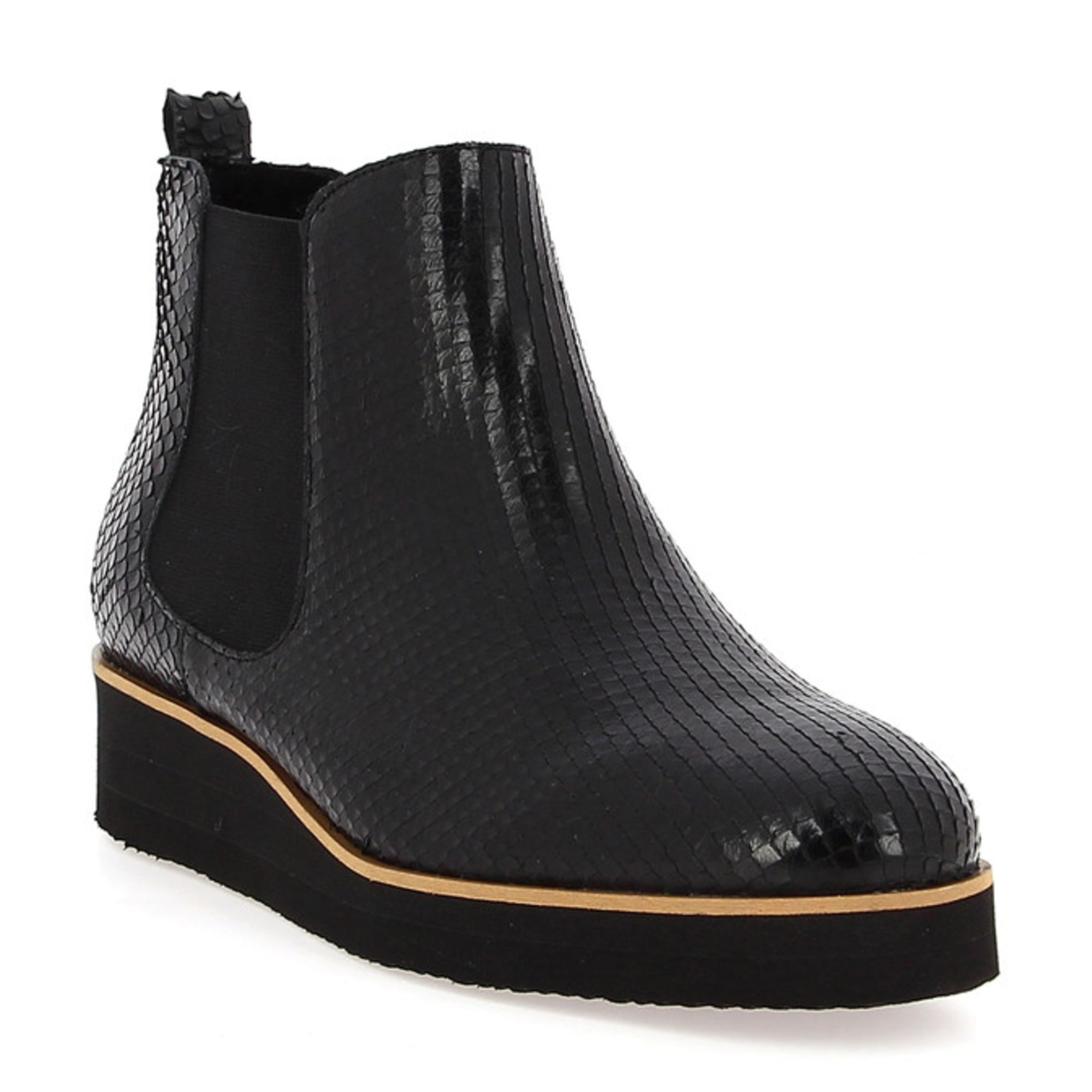 d432efc7f33 Bottines   low boots à compensés GALERIES LAFAYETTE 38 noir vendu ...