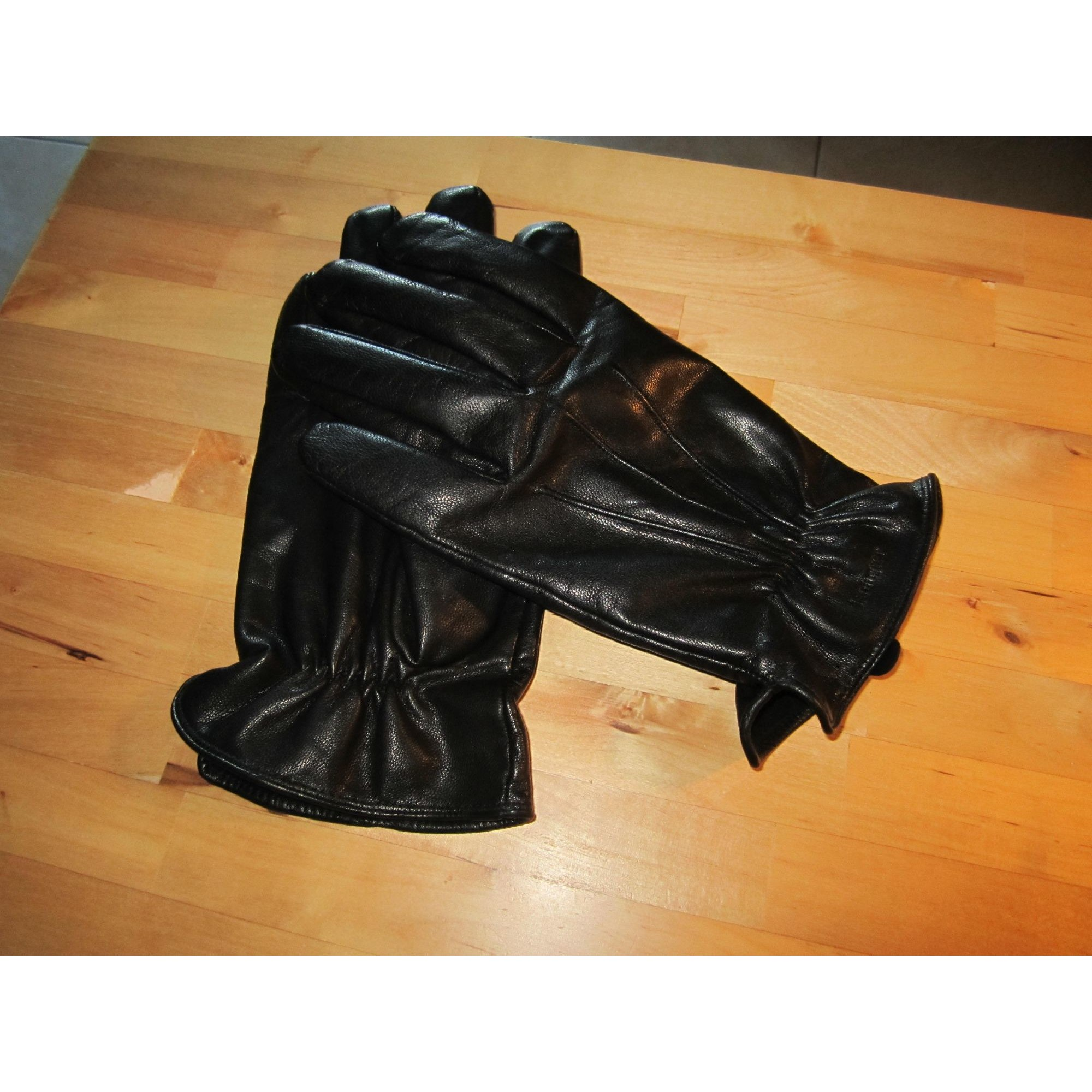 Gloves ISOTONER Black