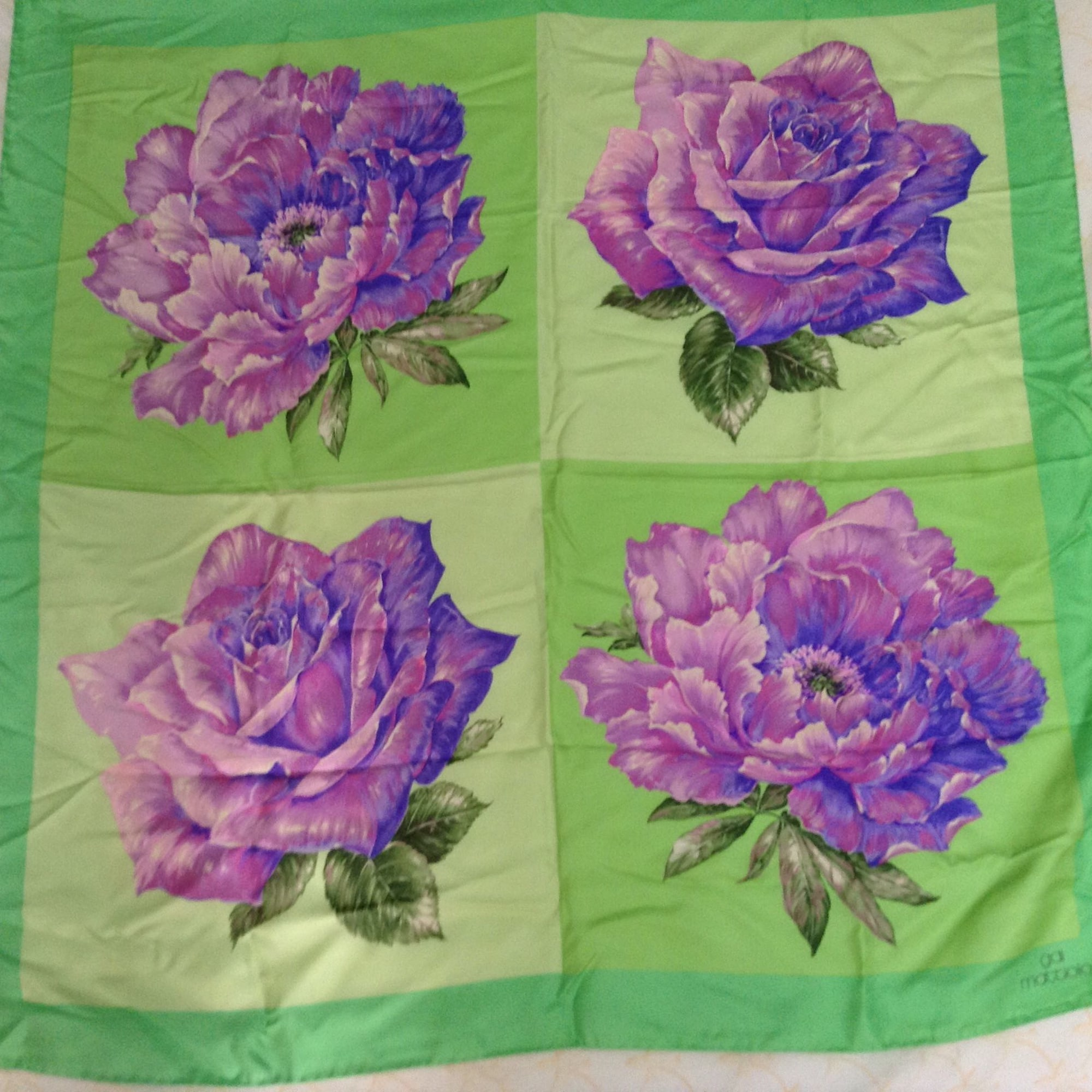 competitive price 7bd90 ff513 Foulard