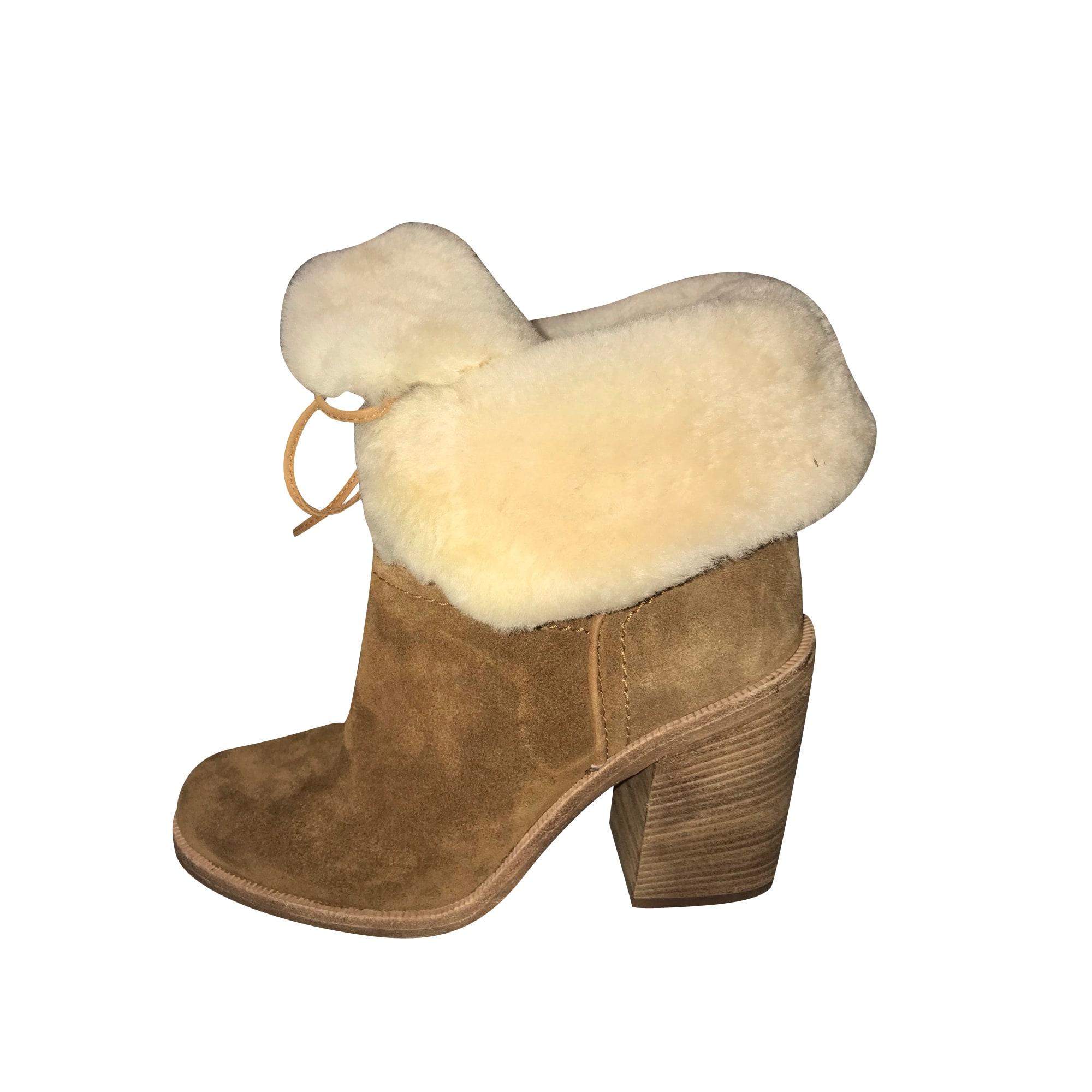 Stivali con tacchi UGG Beige, cammello