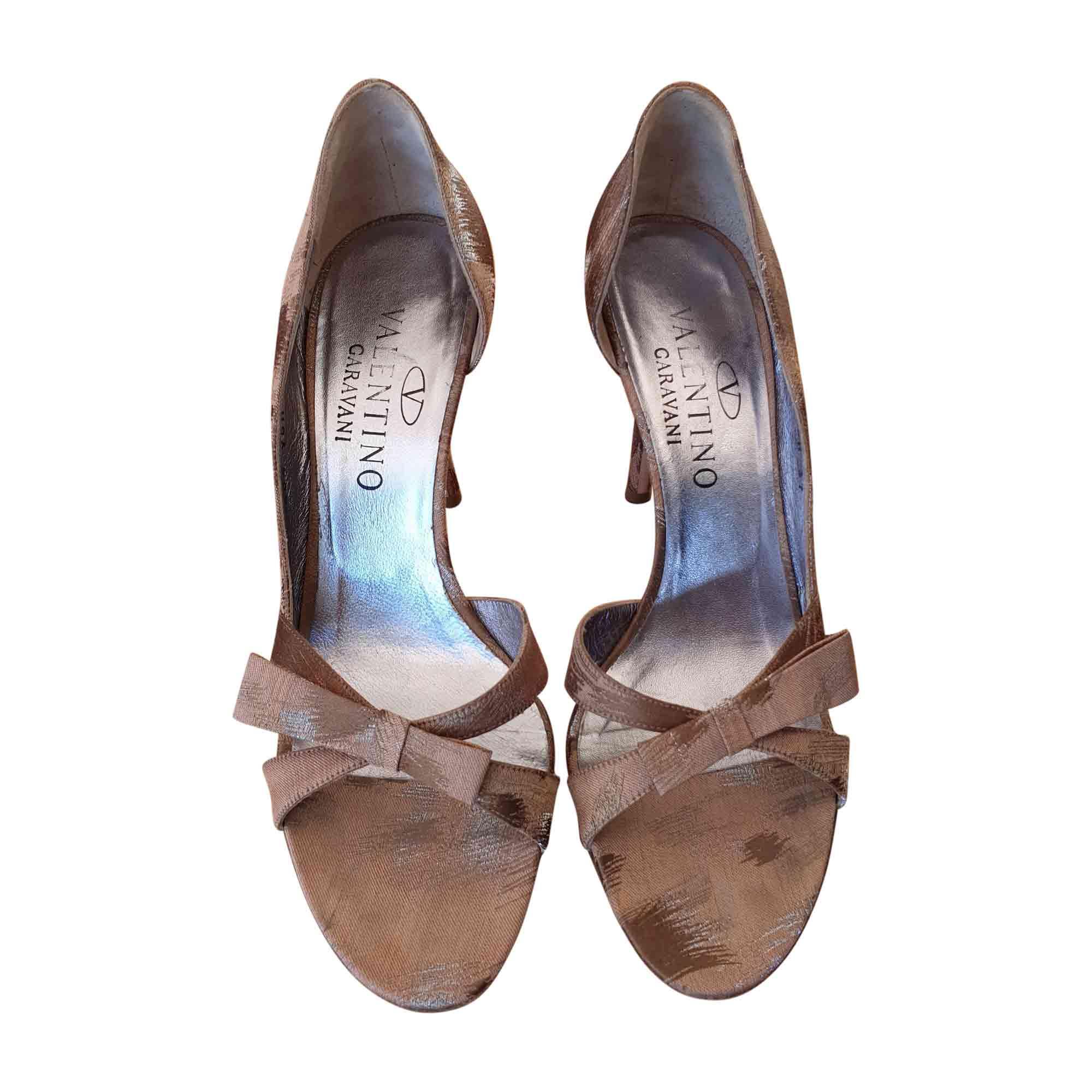 Escarpins à bouts ouverts VALENTINO Doré, bronze, cuivre