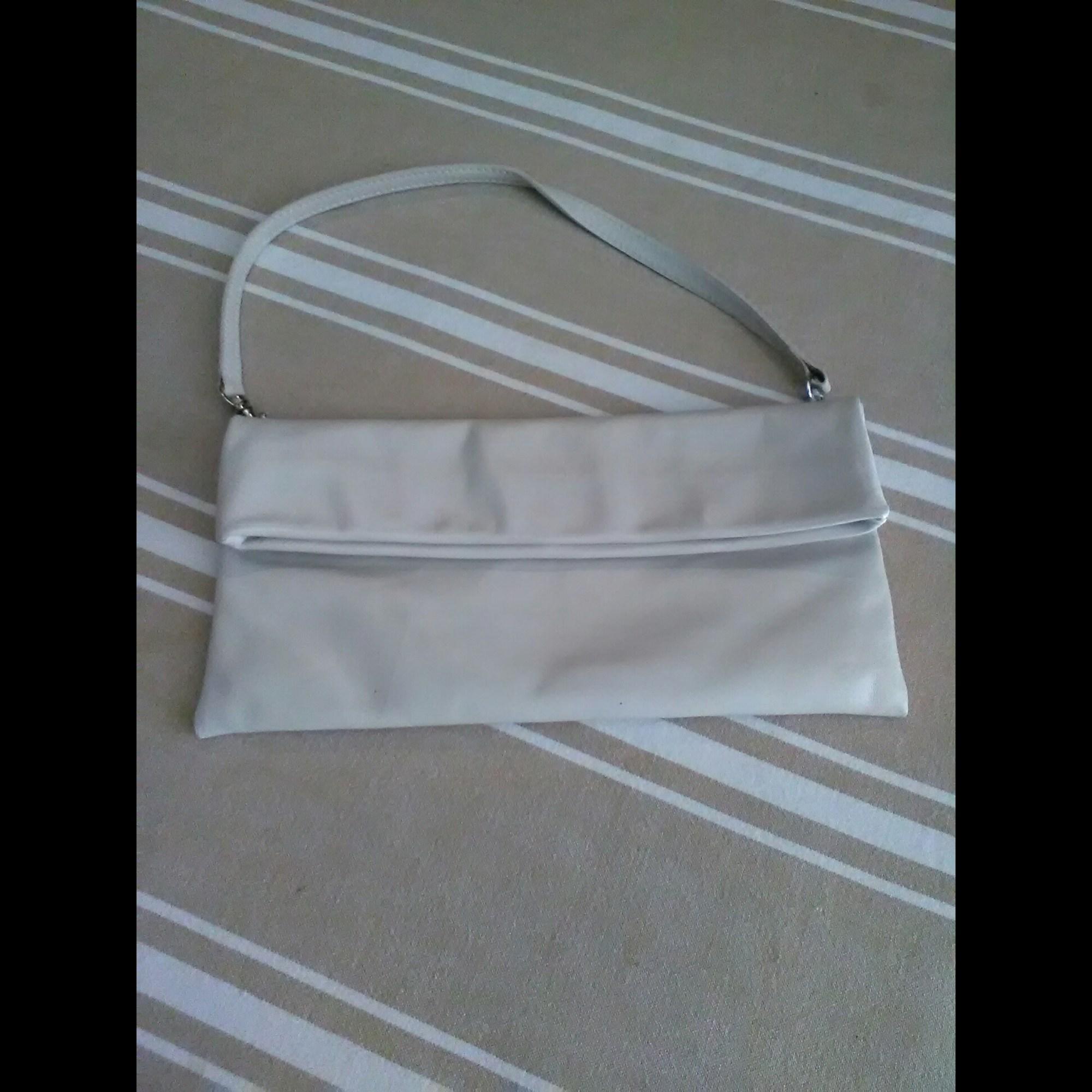 Pochette FAIRMOUNT cuir blanc