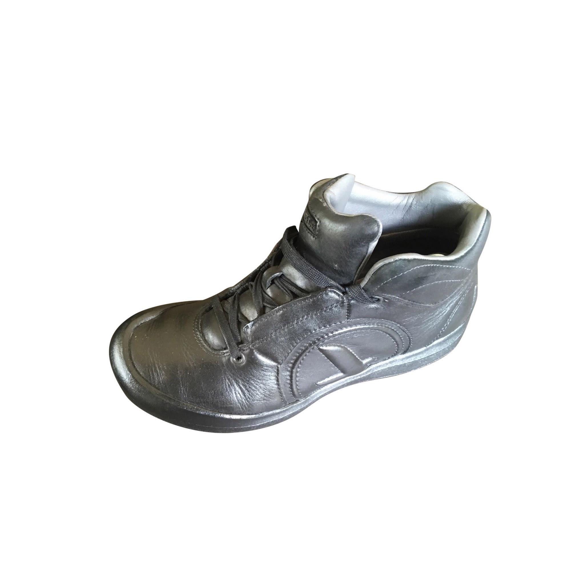 Chaussures à lacets AIGLE Noir