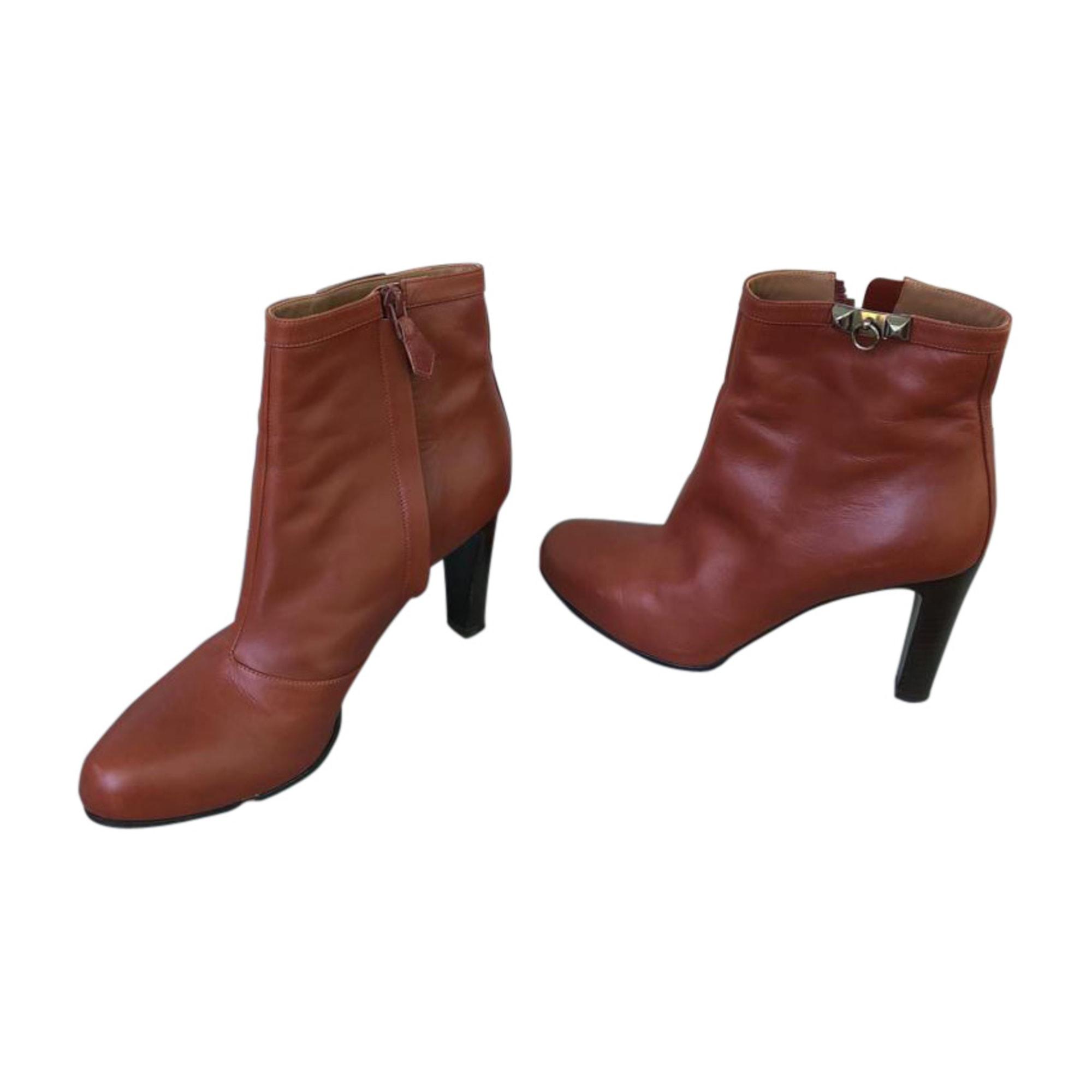 Bottines & low boots à talons HERMÈS Marron
