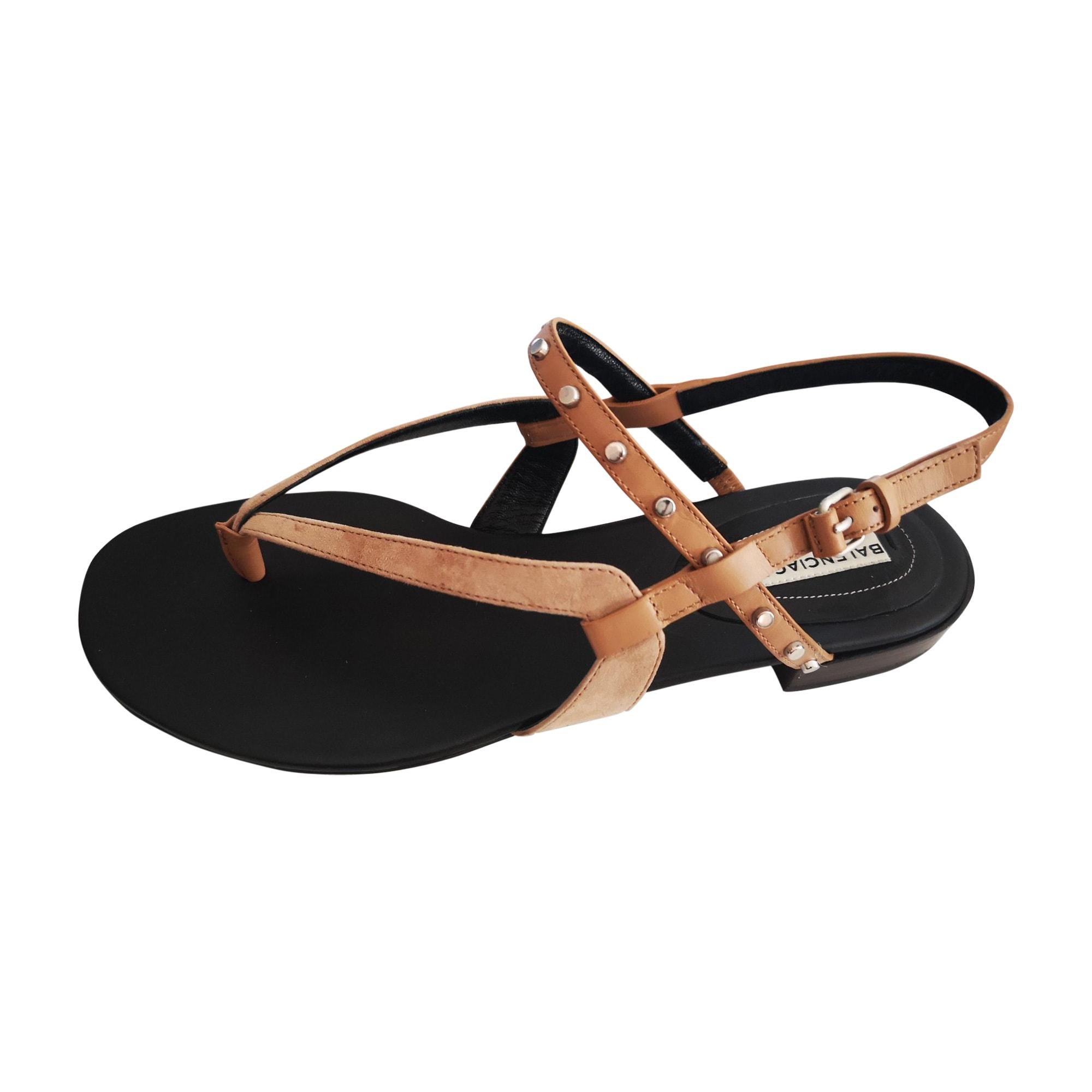 Sandales plates  BALENCIAGA Beige, camel