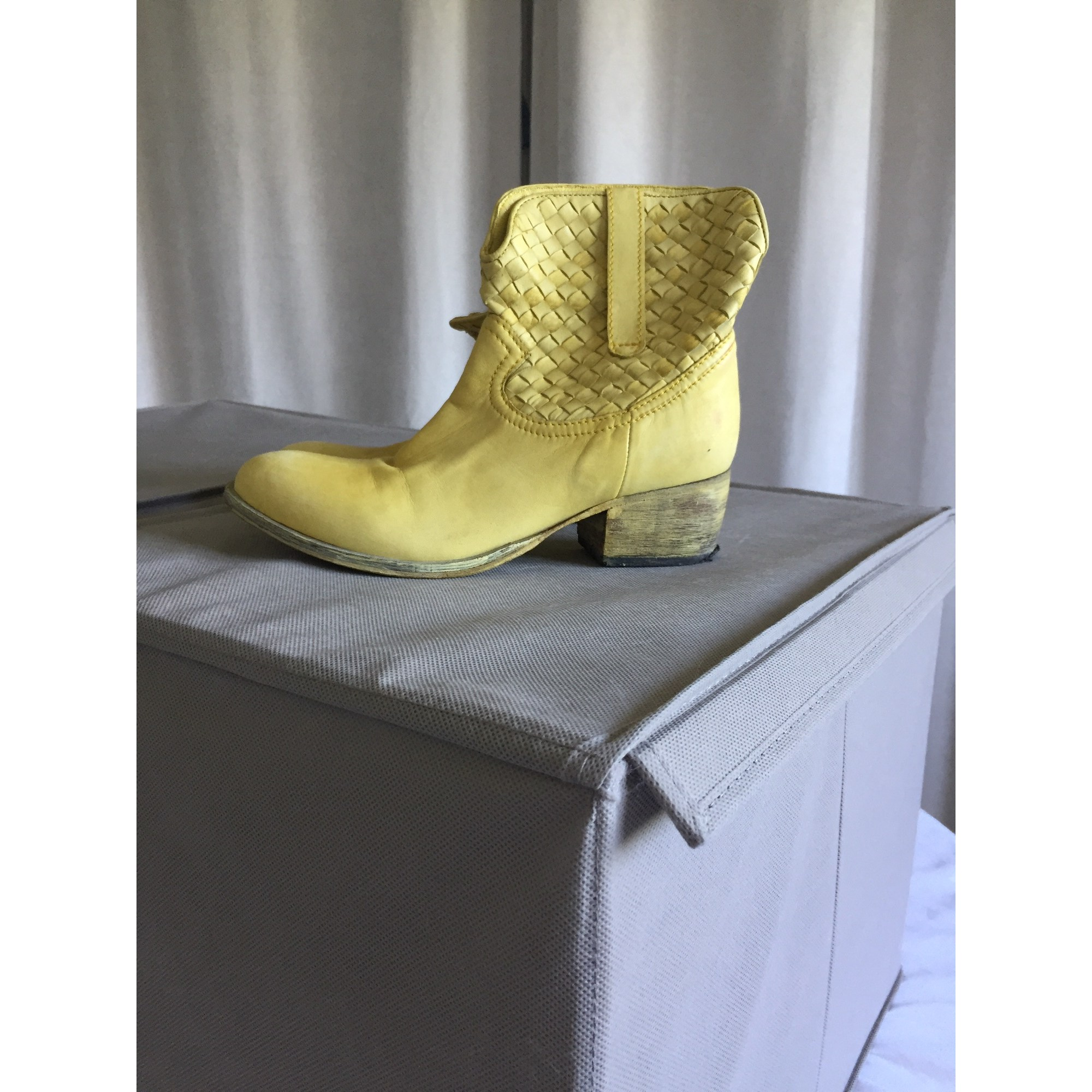 Bottines & low boots à talons BEE FLY Jaune