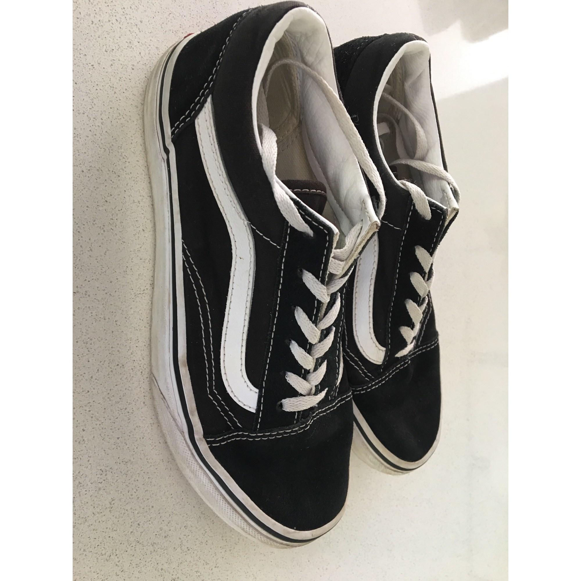 Chaussures à lacets VANS Noir