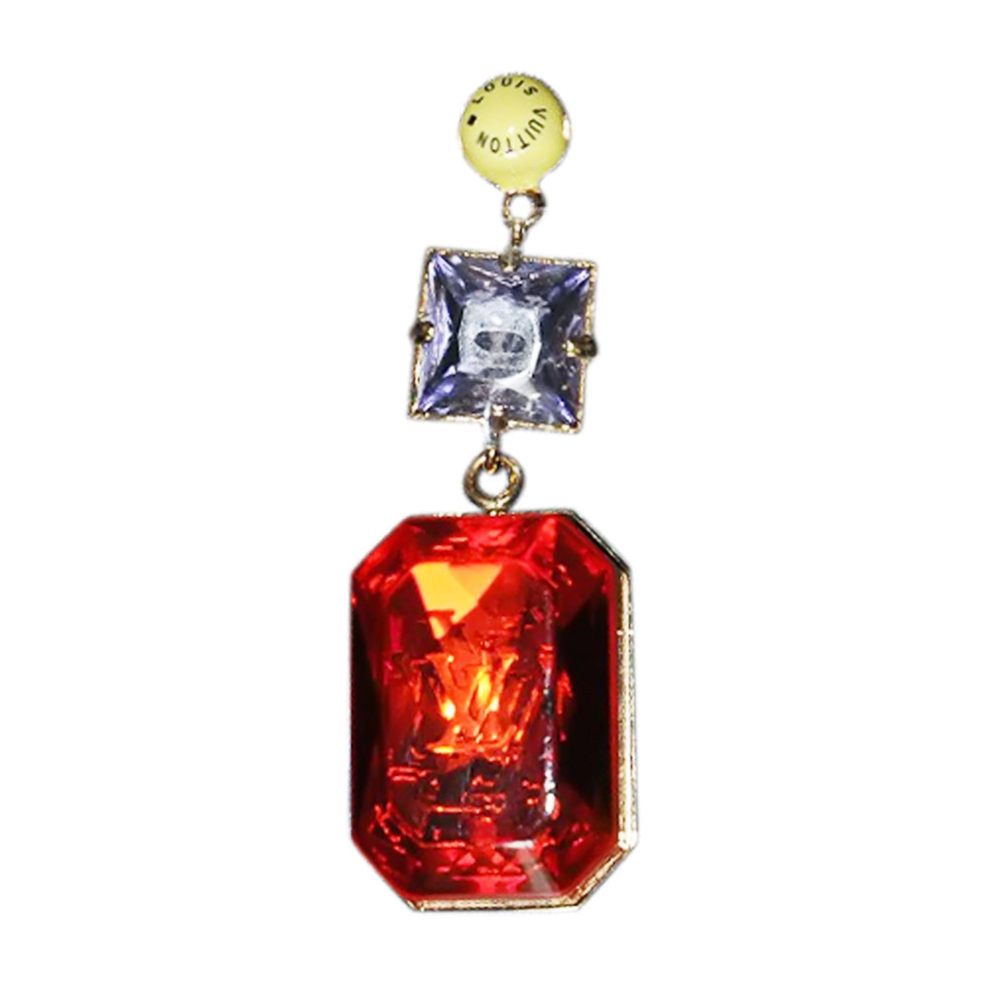 Pendentif, collier pendentif LOUIS VUITTON résine rouge